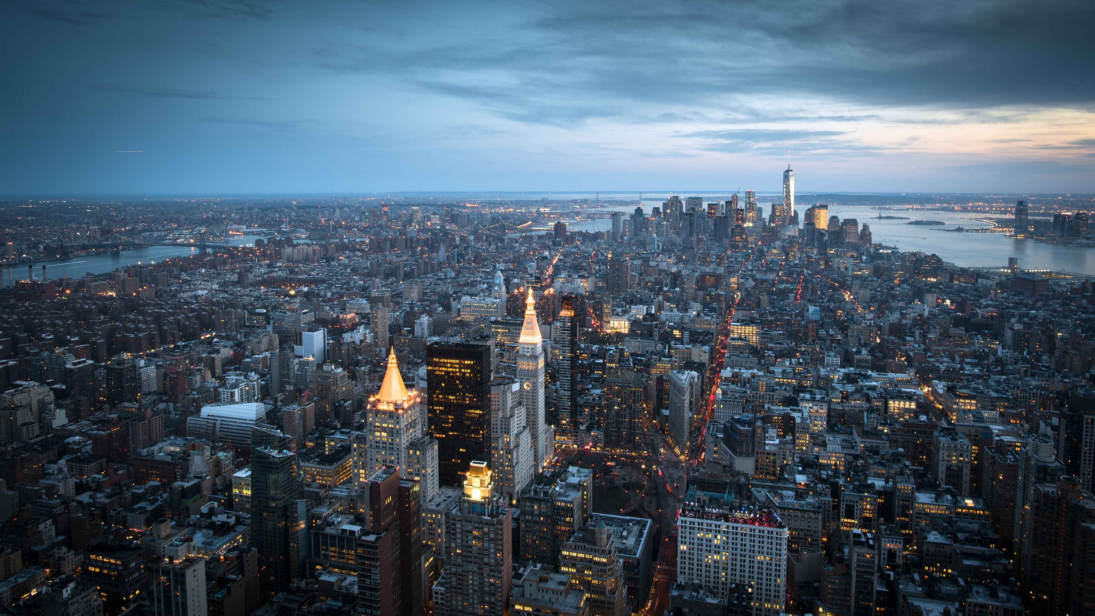 Top view over Manhattan from Empire State wallpaper 3840x2160