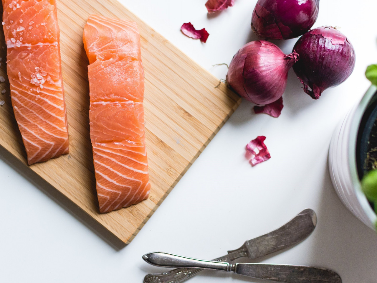 Salmon fillets wallpaper 1280x960