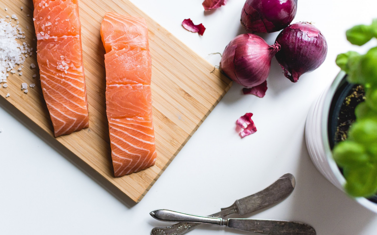 Salmon fillets wallpaper 1440x900