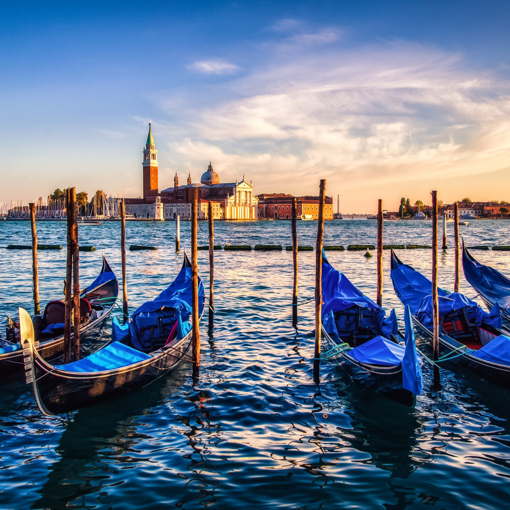 Gondolas from Venice at sunset wallpaper 1024x1024
