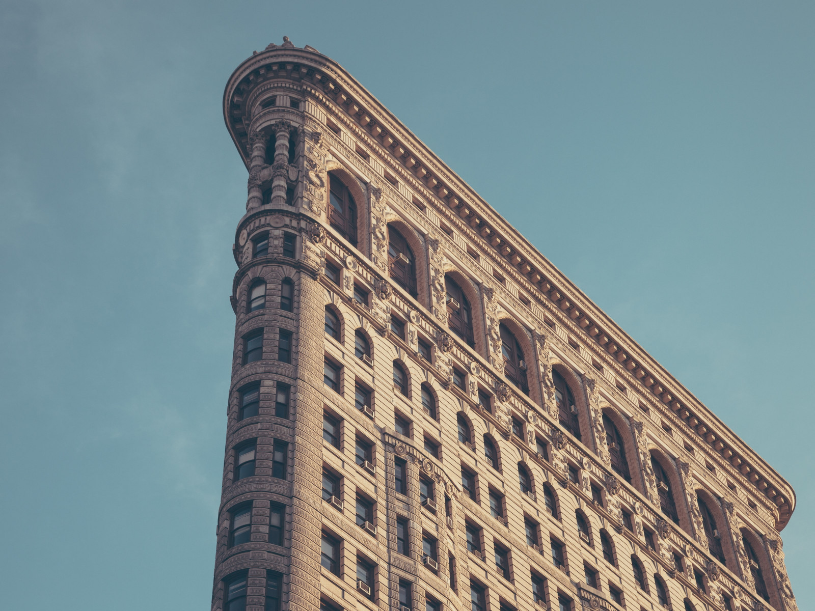 Flatiron building in New York wallpaper 1600x1200