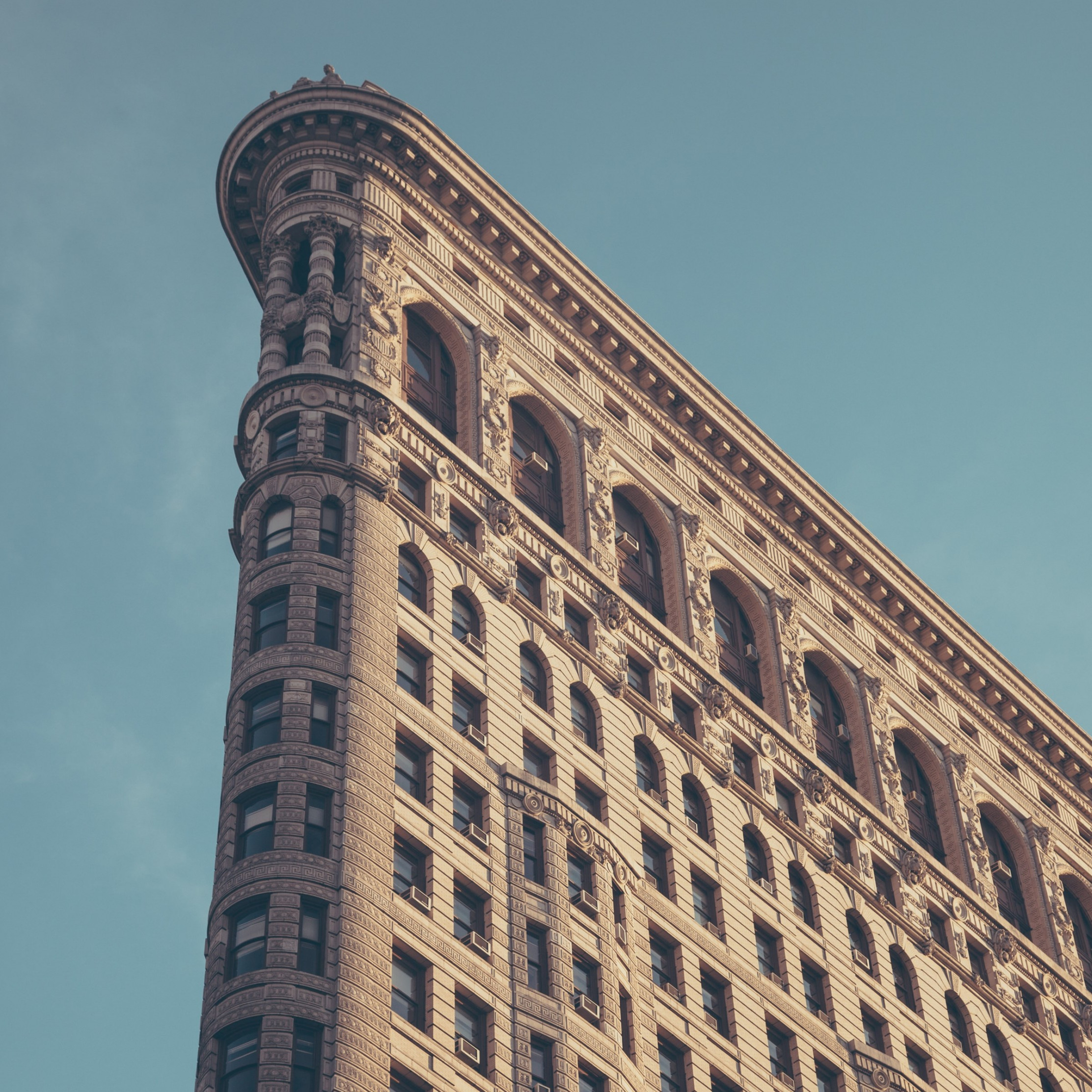 Flatiron building in New York wallpaper 2224x2224