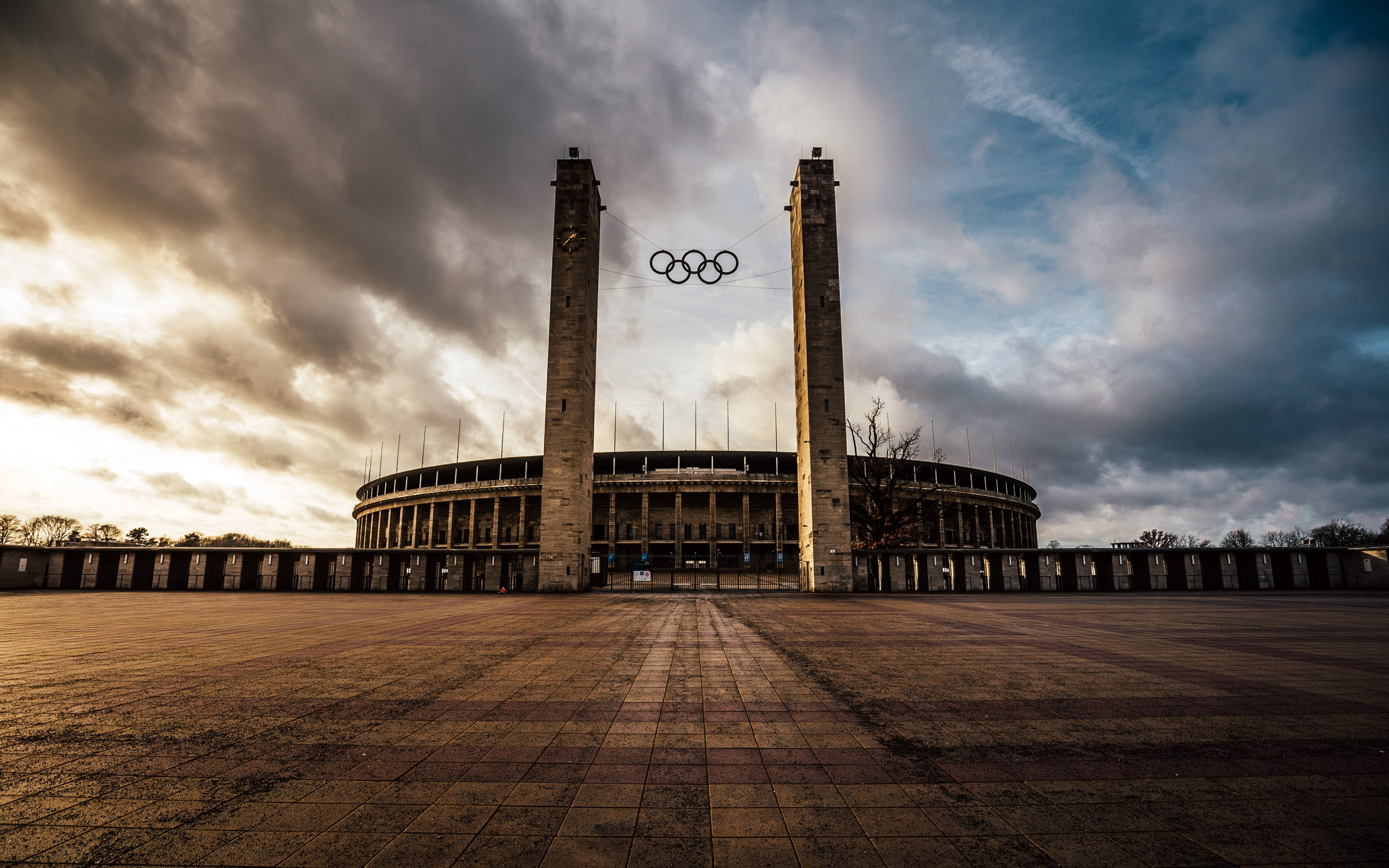 The Olympiastadion from Berlin | 2560x1600 wallpaper