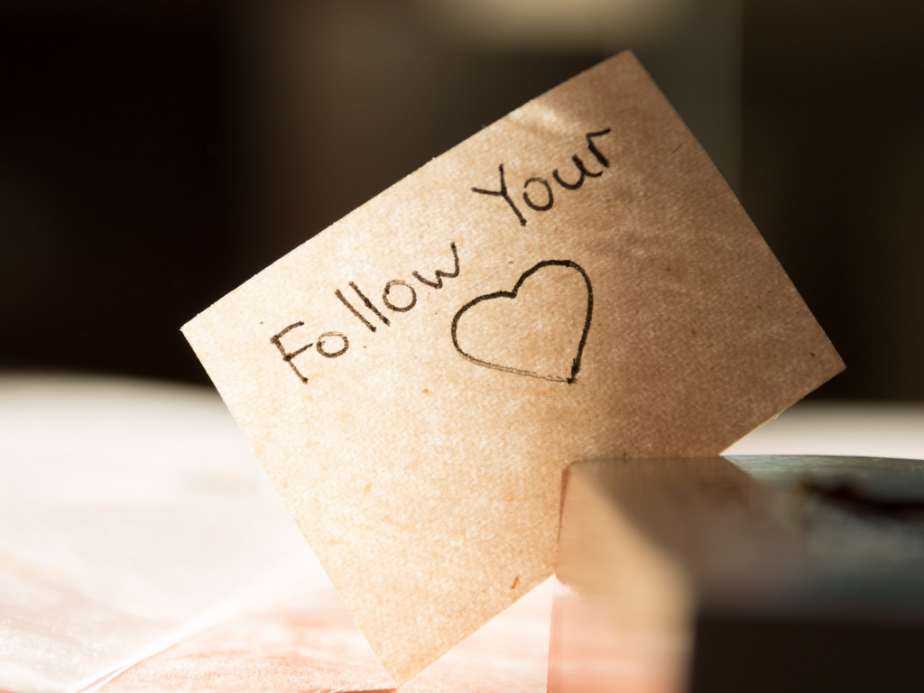 Follow your heart wallpaper 1024x768