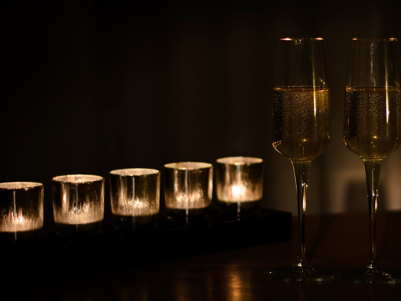 Champagne and candles | 1600x1200 wallpaper