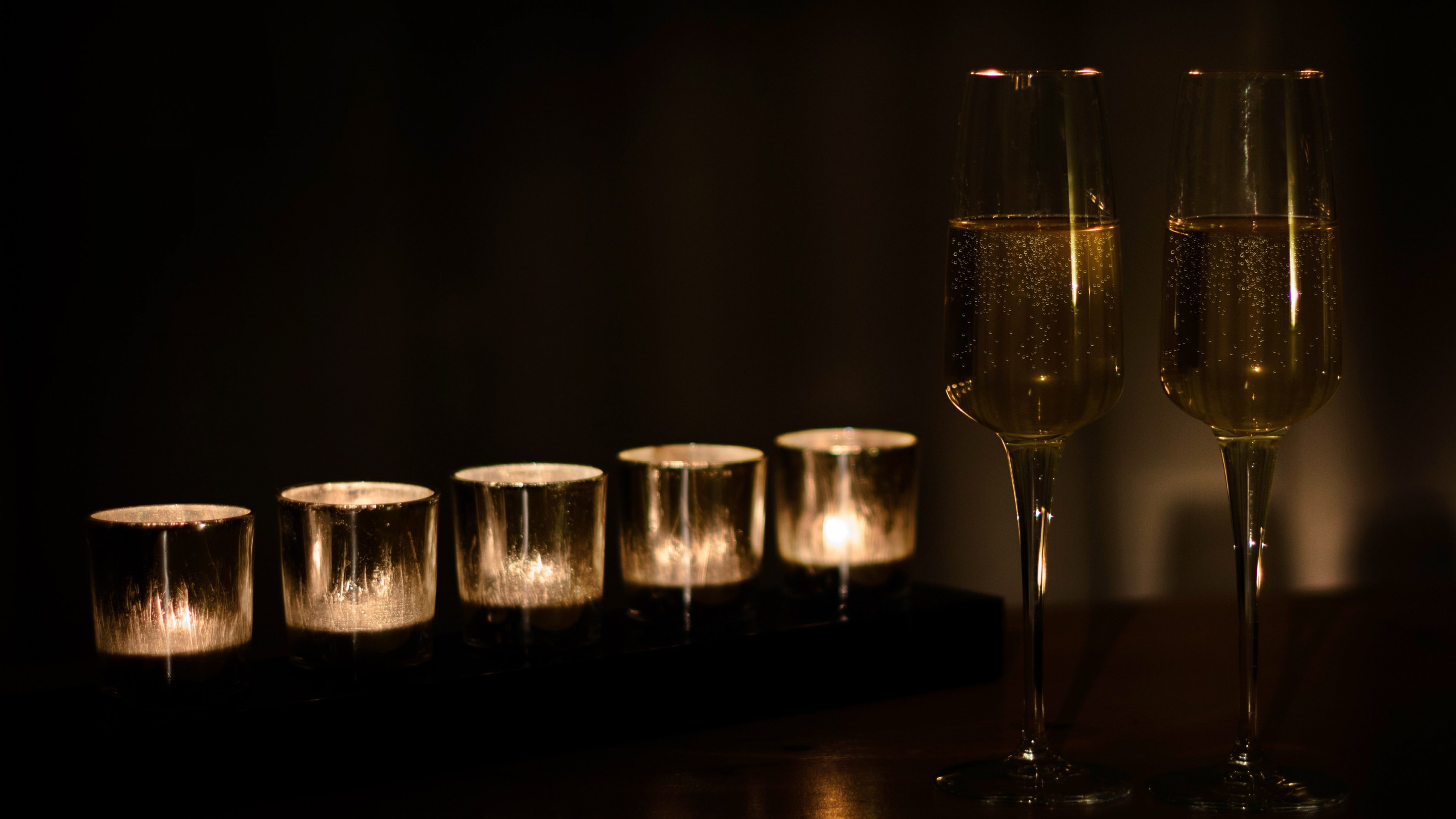 Champagne and candles wallpaper 2880x1620