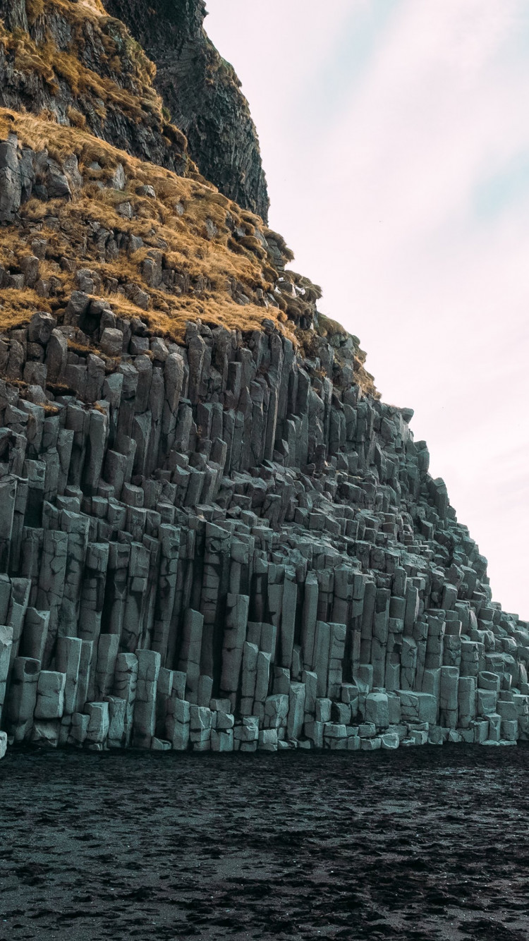 Reynisfjara, Black Pebble beach wallpaper 750x1334