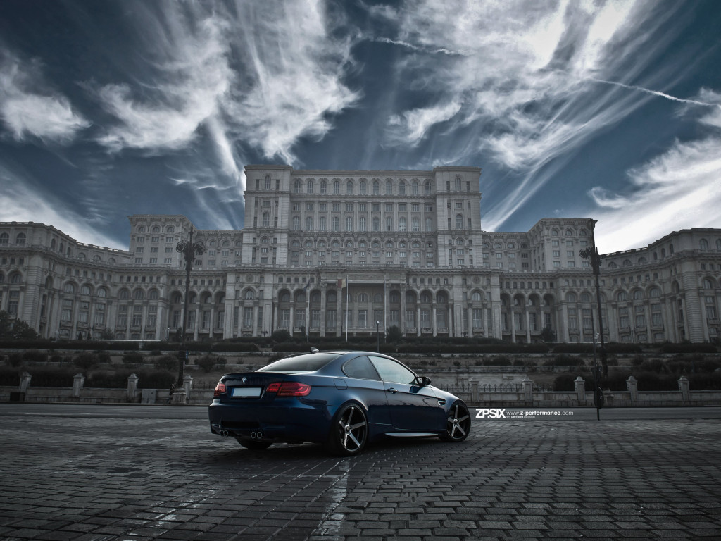 BMW E92 M3 in front of Palace of the Parliament wallpaper 1024x768