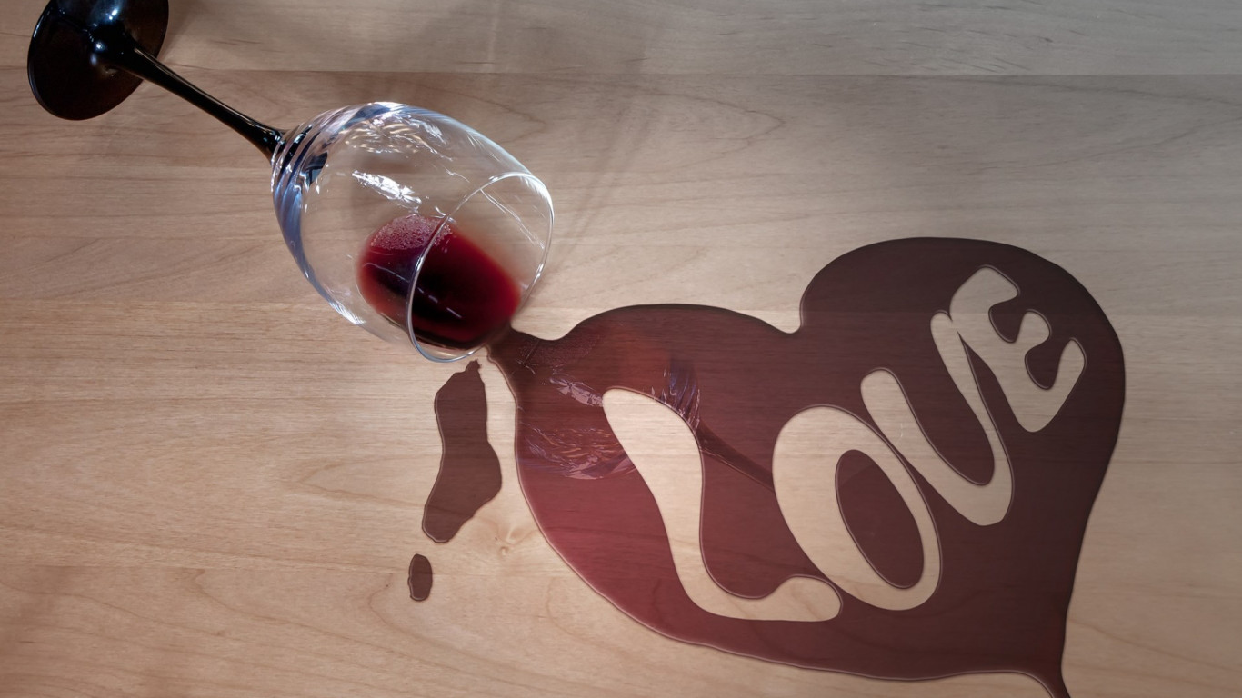 Wine and love wallpaper 1366x768