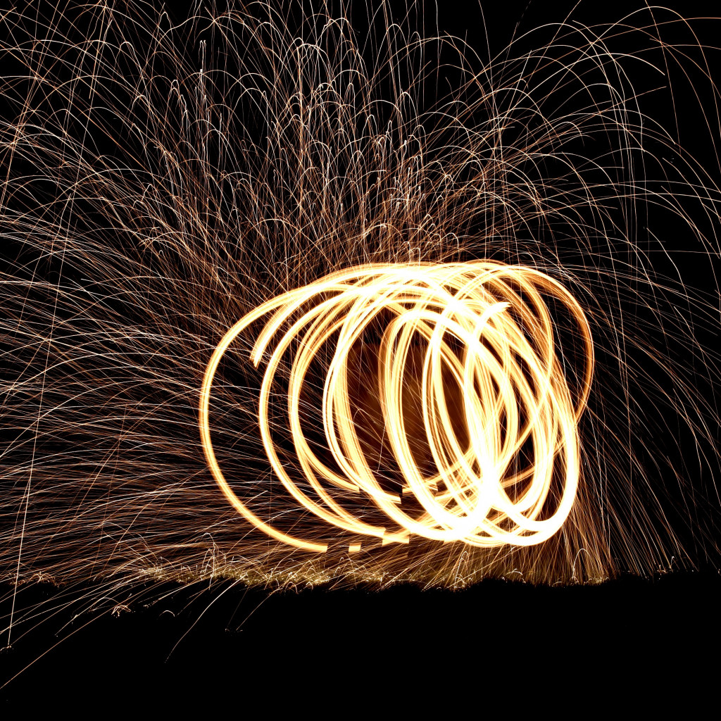 Spinning wire wool wallpaper 1024x1024