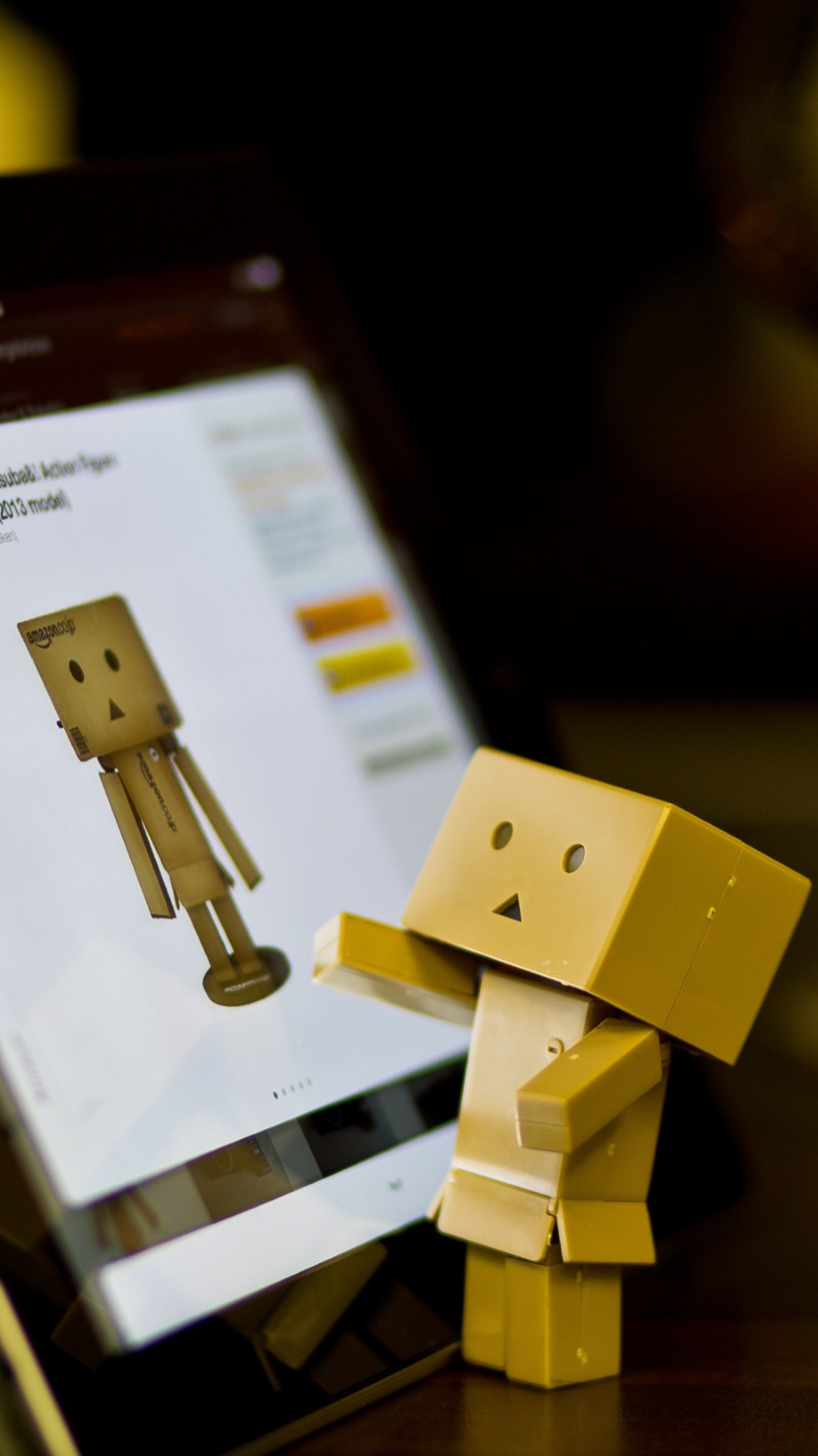 Danbo with tablet wallpaper 1242x2208