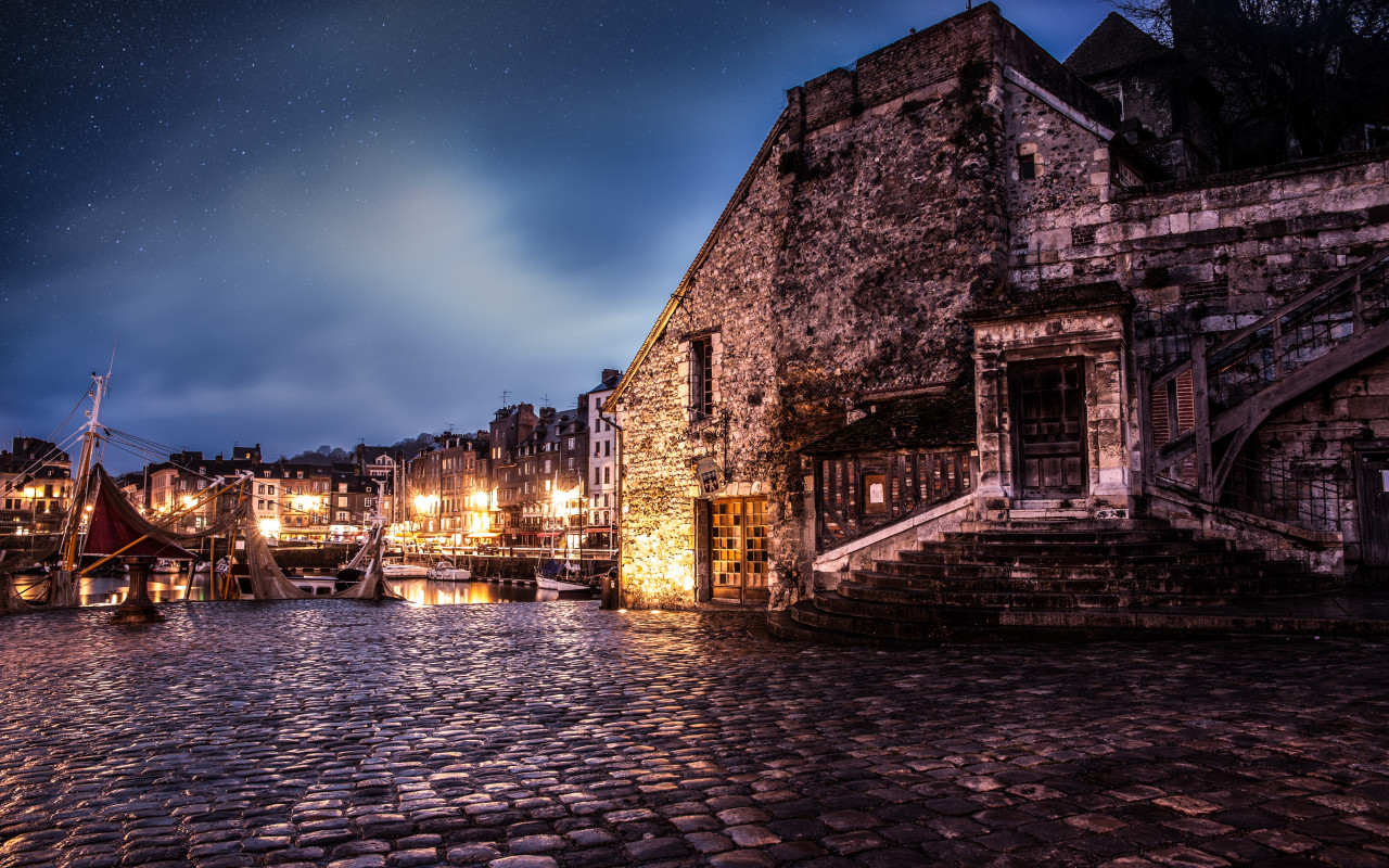 Night in Honfleur, France wallpaper 1280x800