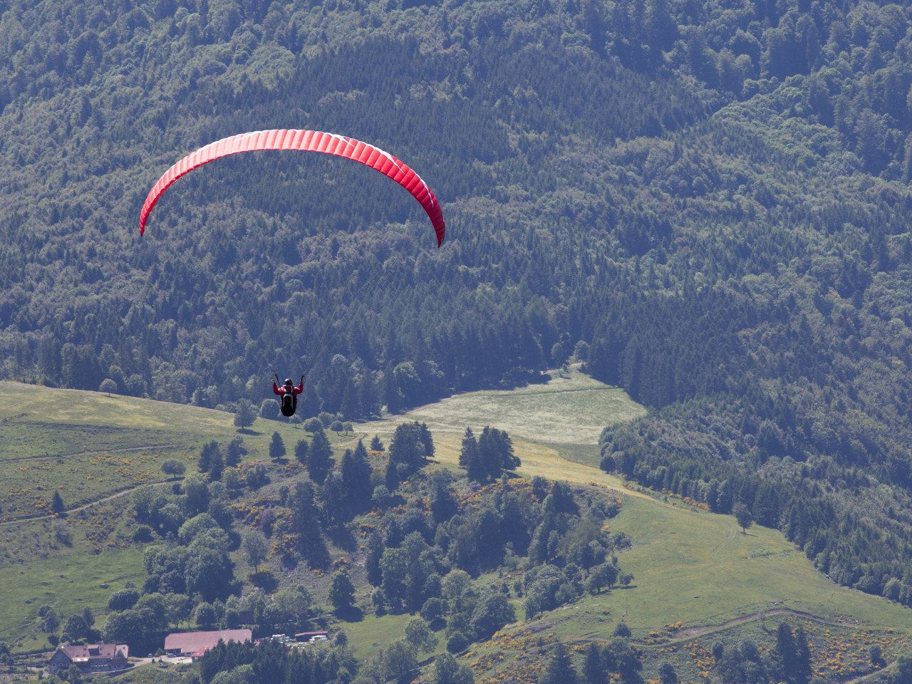 Paragliding wallpaper 1280x960