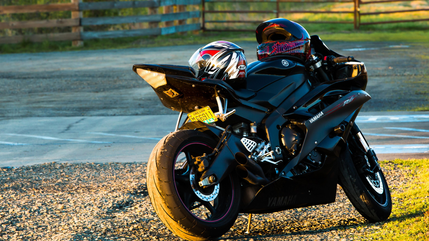 Yamaha R6 wallpaper 1366x768