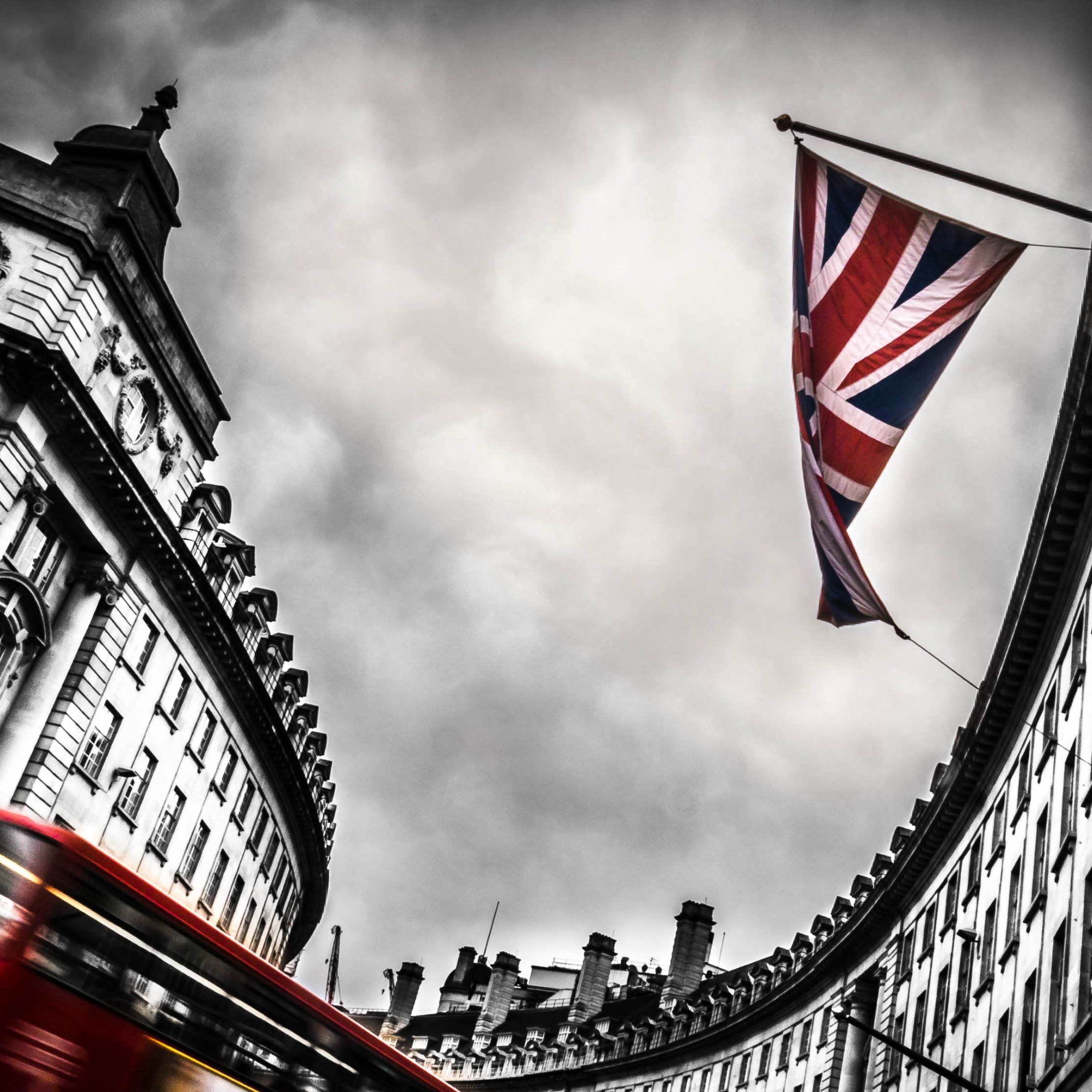 London bus and England flag wallpaper 2224x2224