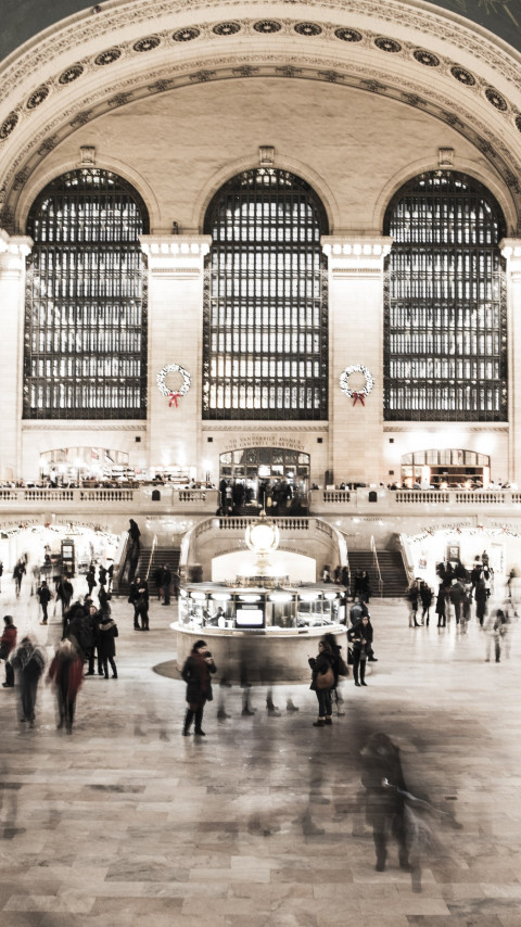 People in NYC Grand Central Terminal wallpaper 480x854