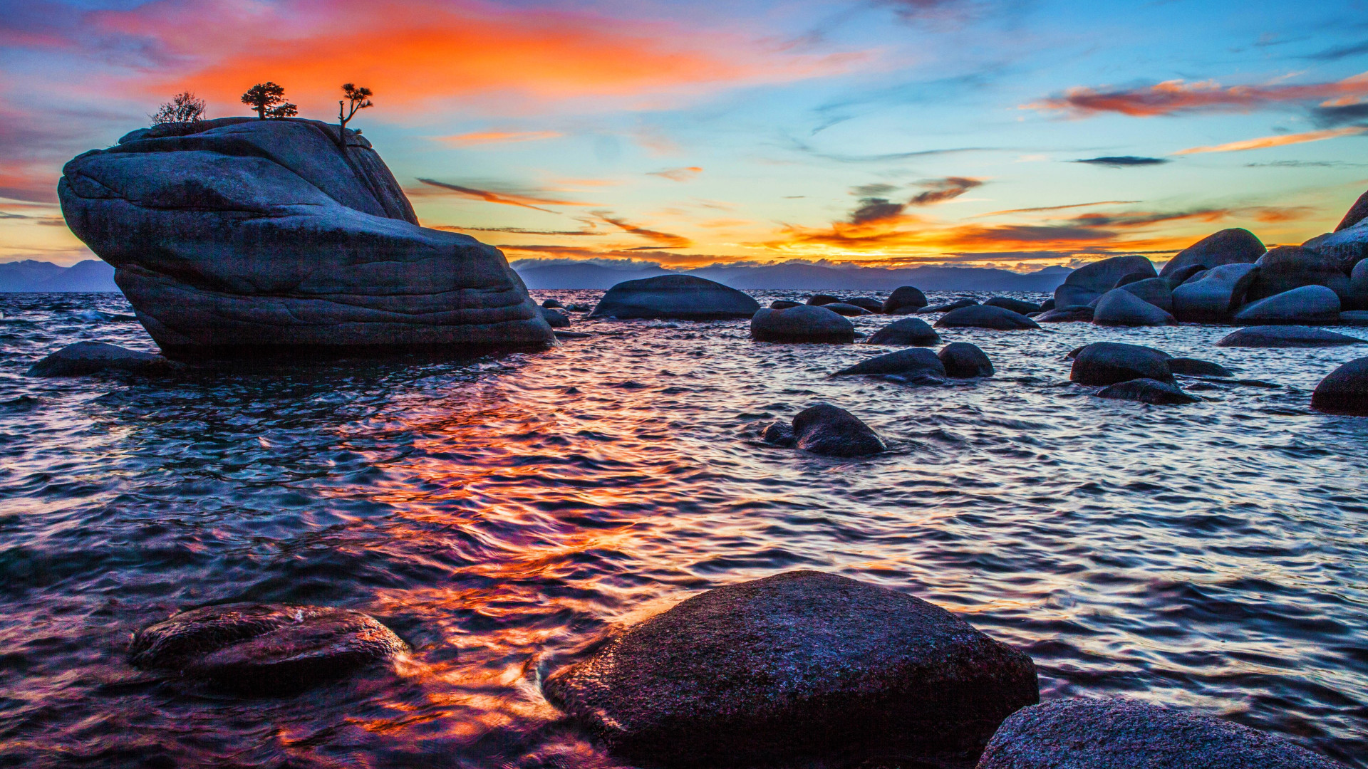 Bonsai Rock sunset at Lake Tahoe wallpaper 1920x1080