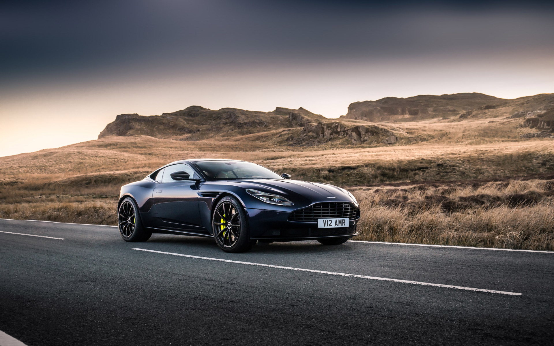 Aston Martin DB11 AMR | 1920x1200 wallpaper