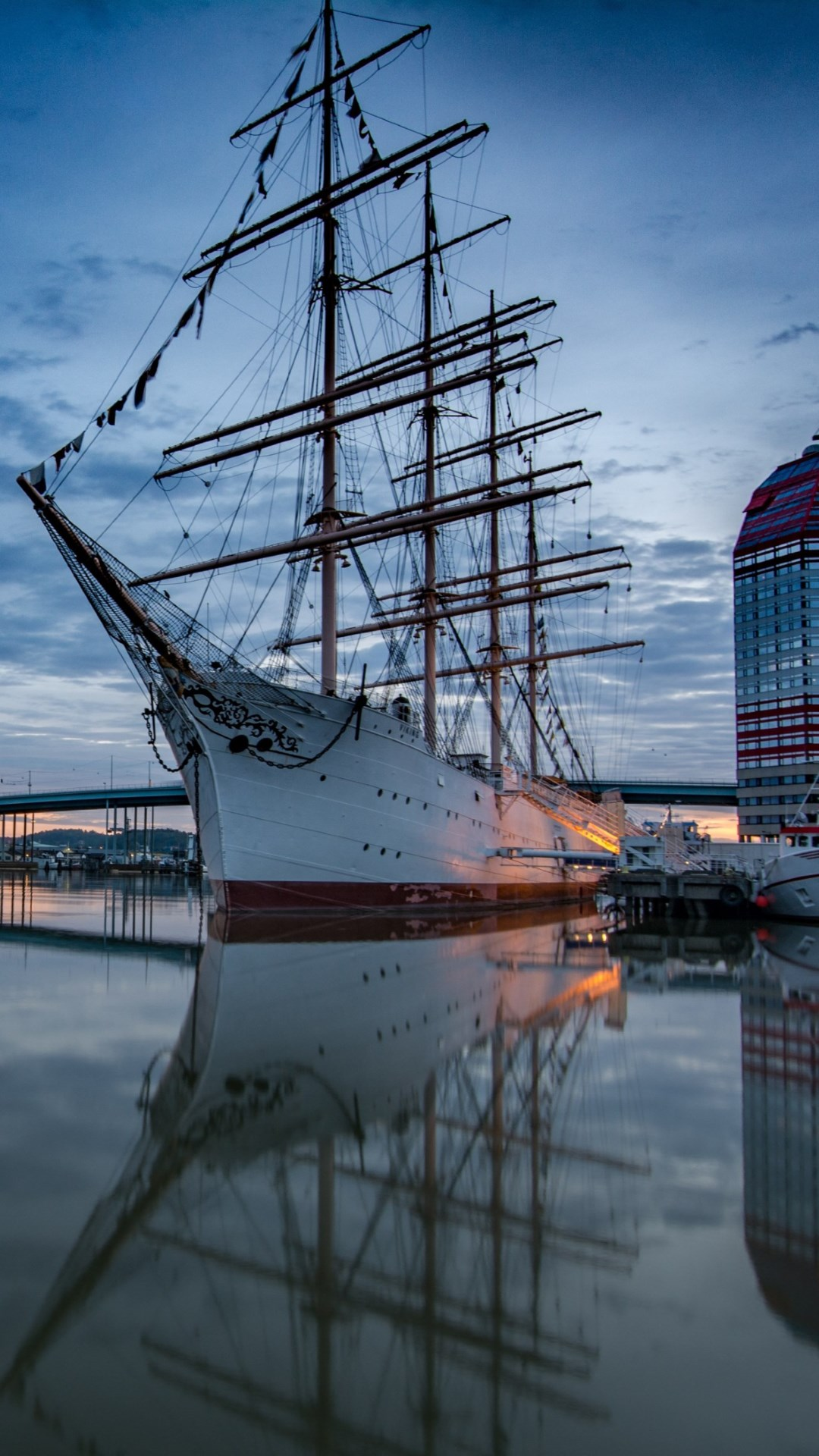 Historic wooden sailing ship in Gothenburg Harbour | 1080x1920 wallpaper