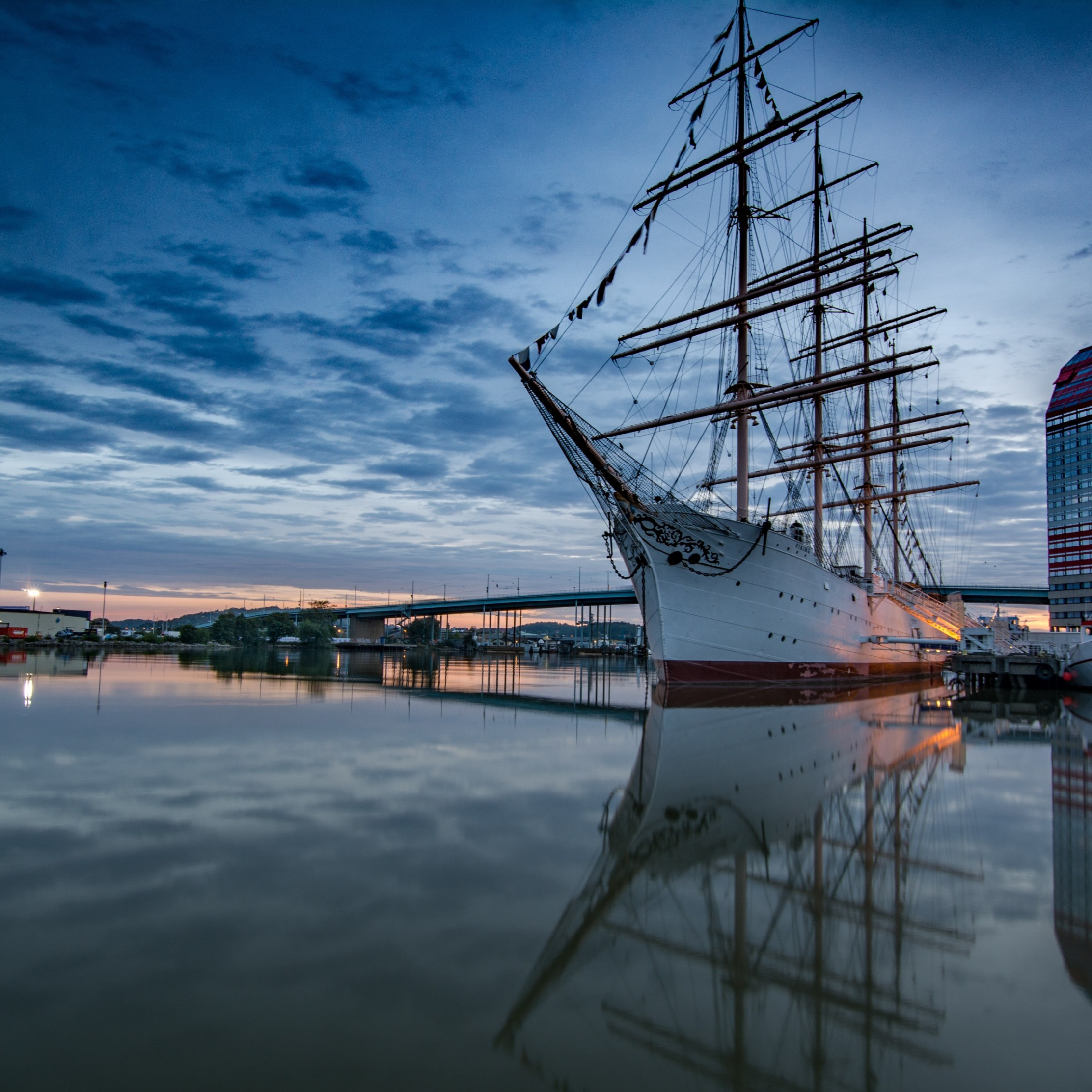 Historic wooden sailing ship in Gothenburg Harbour | 2224x2224 wallpaper