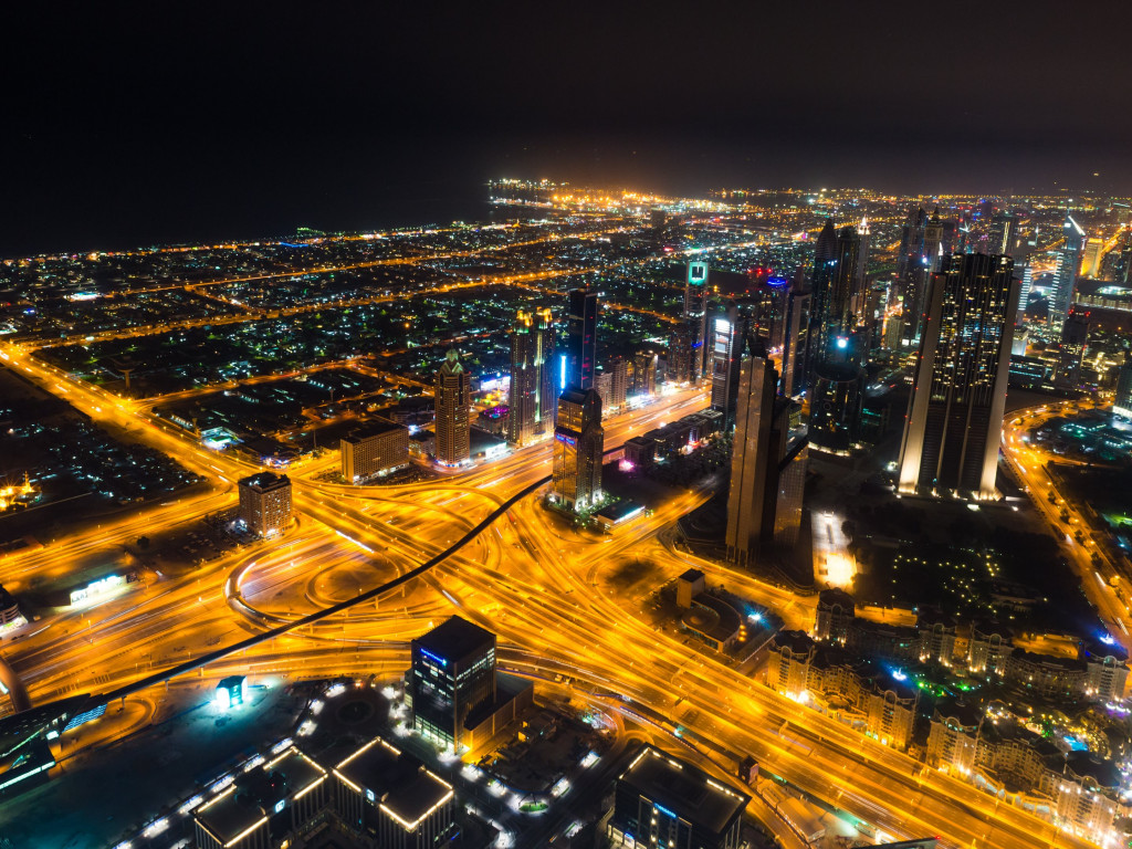 Dubai landscape by night | 1024x768 wallpaper