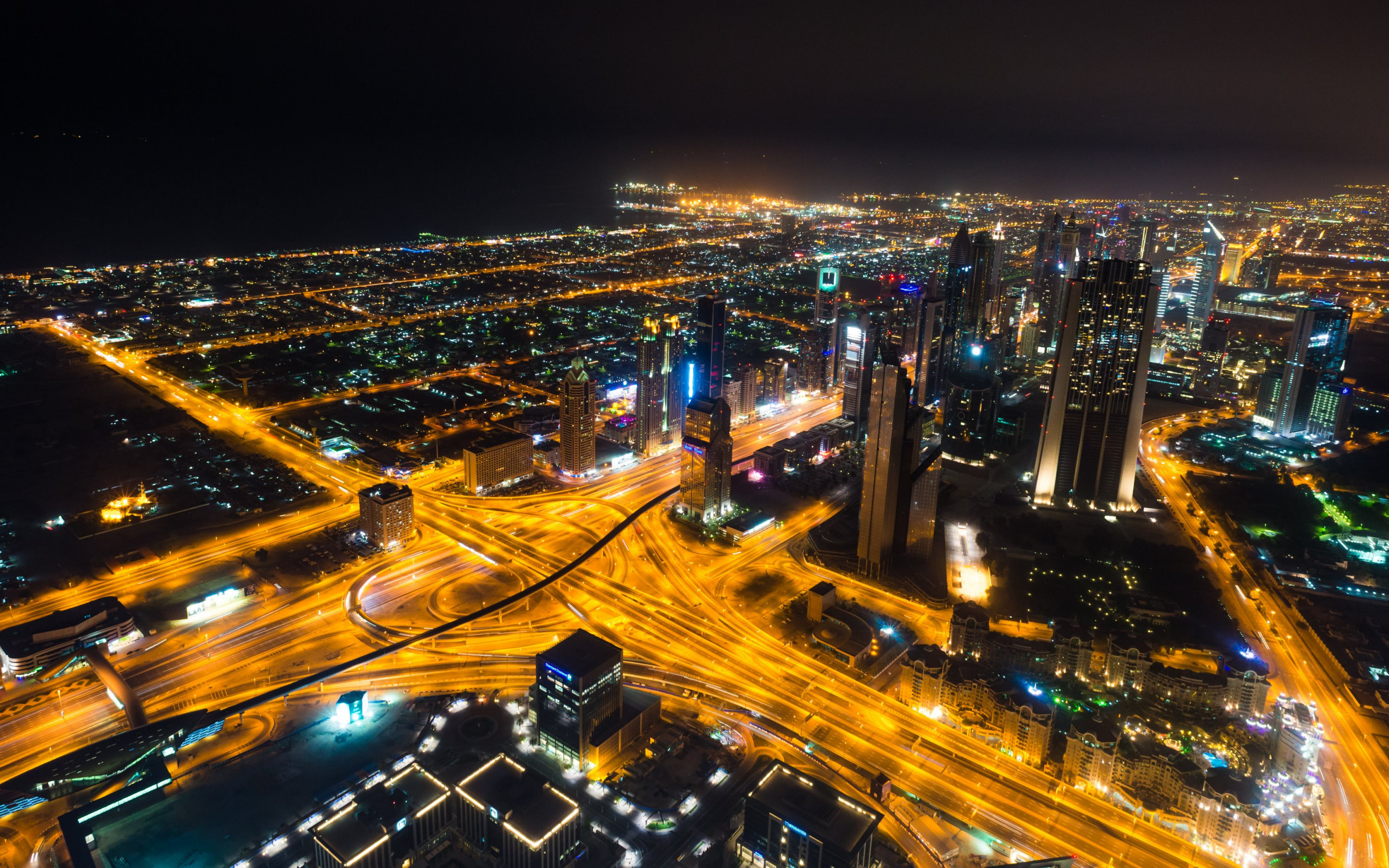 Dubai landscape by night | 2880x1800 wallpaper