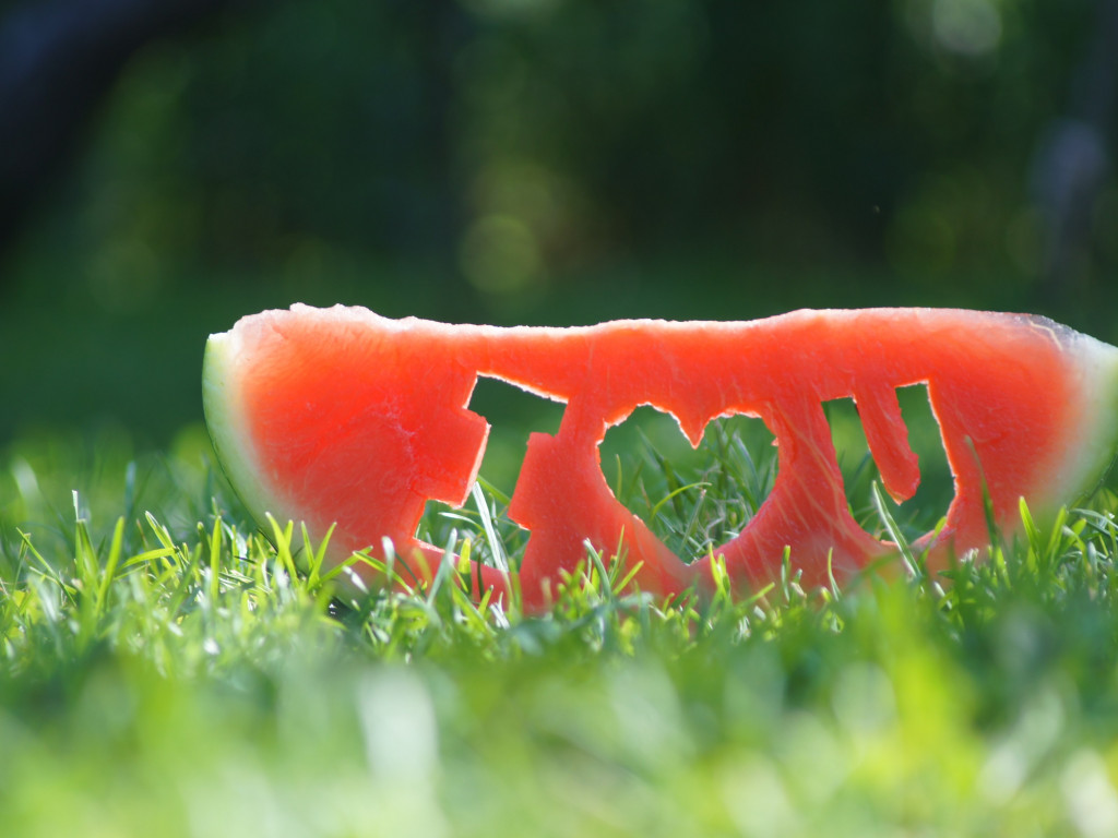 I love you through a watermelon slice wallpaper 1024x768