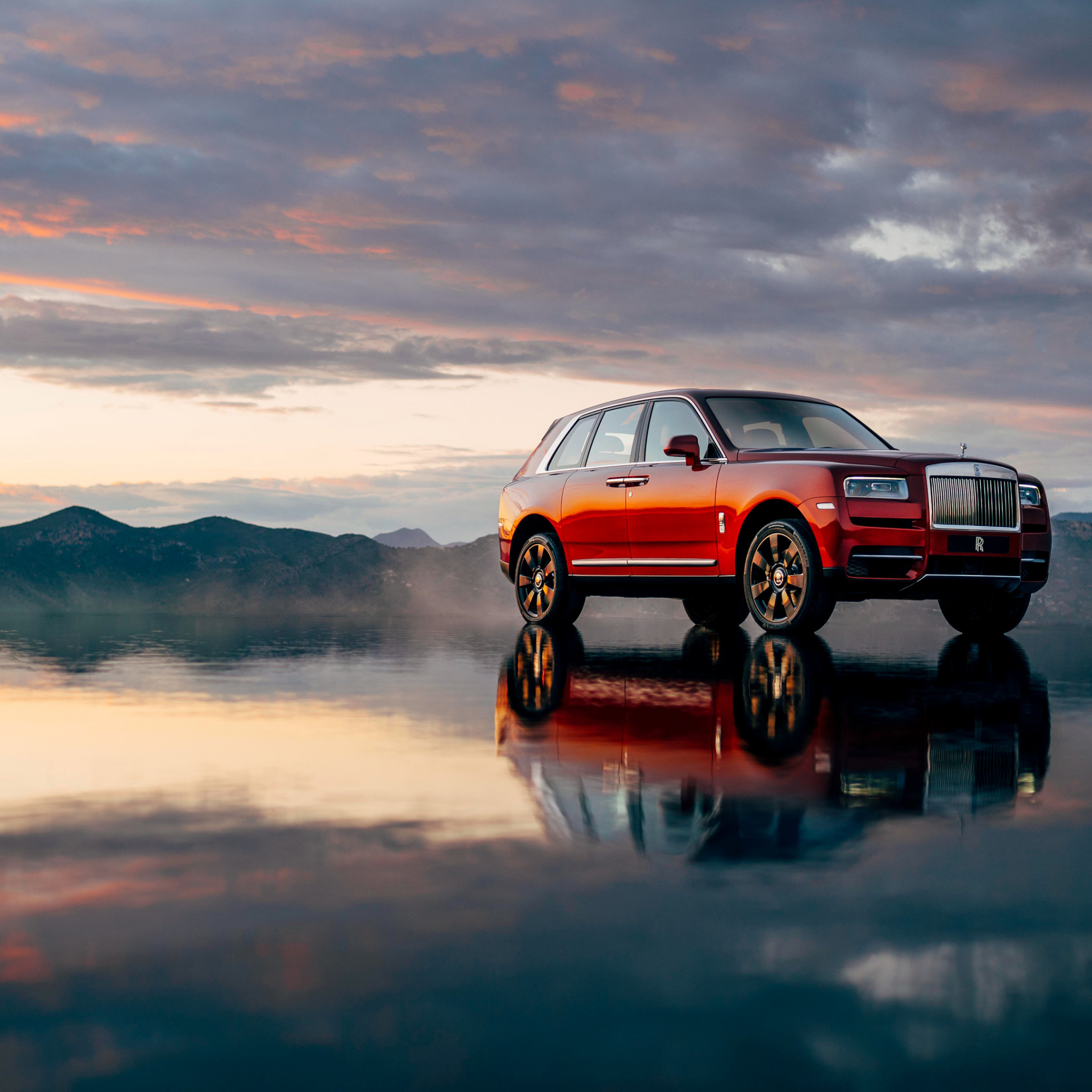 Rolls Royce Cullinan | 2048x2048 wallpaper