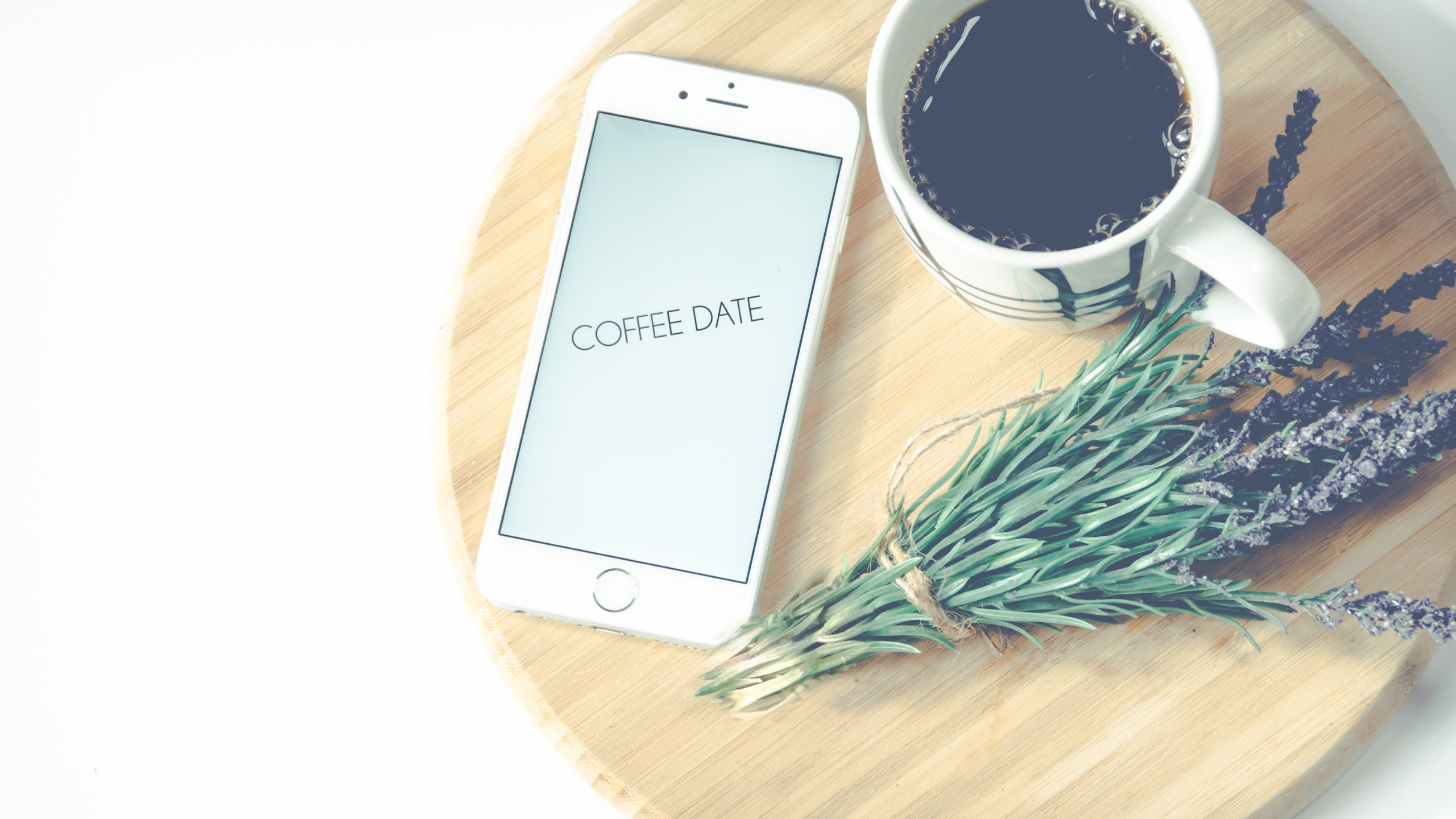 Coffee date | 2560x1440 wallpaper