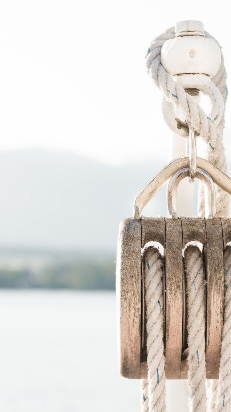 Pulley on a boat wallpaper 750x1334