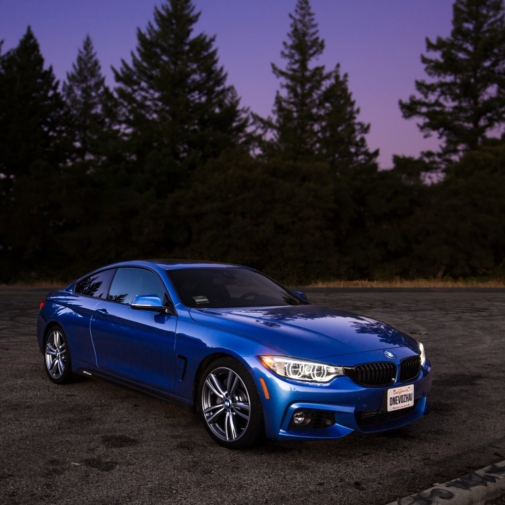 BMW 440i M wallpaper 1024x1024
