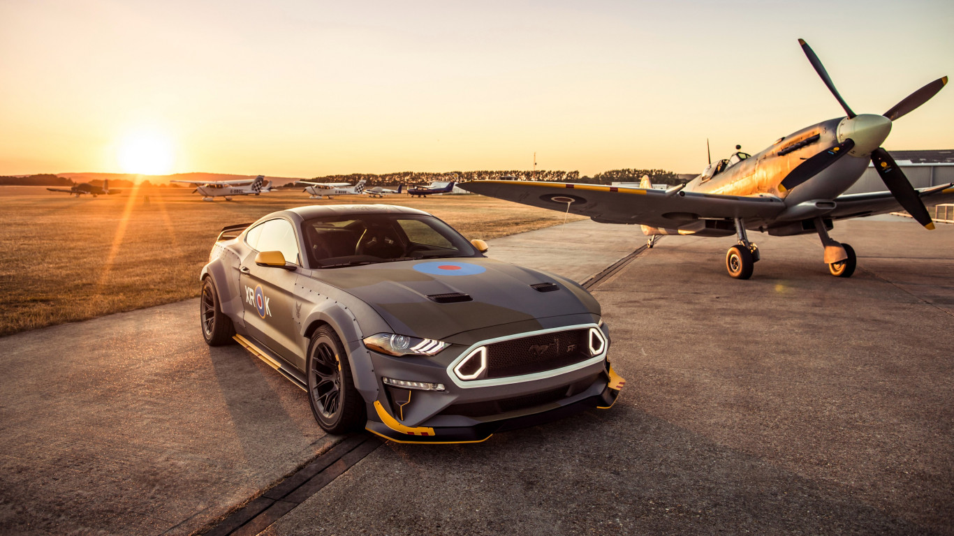 Ford Eagle Squadron Mustang GT wallpaper 1366x768