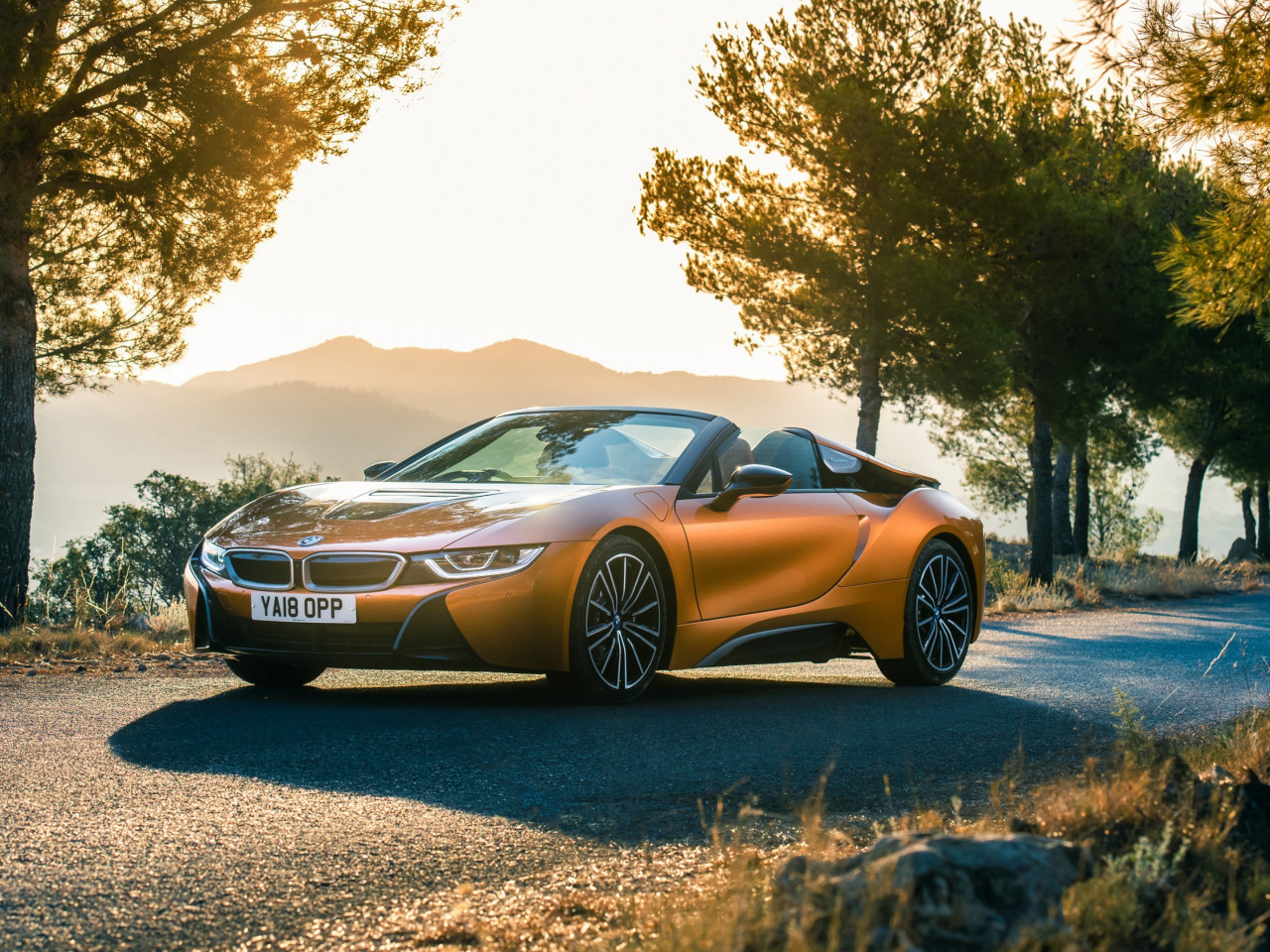 BMW i8 Roadster 2018 wallpaper 1280x960