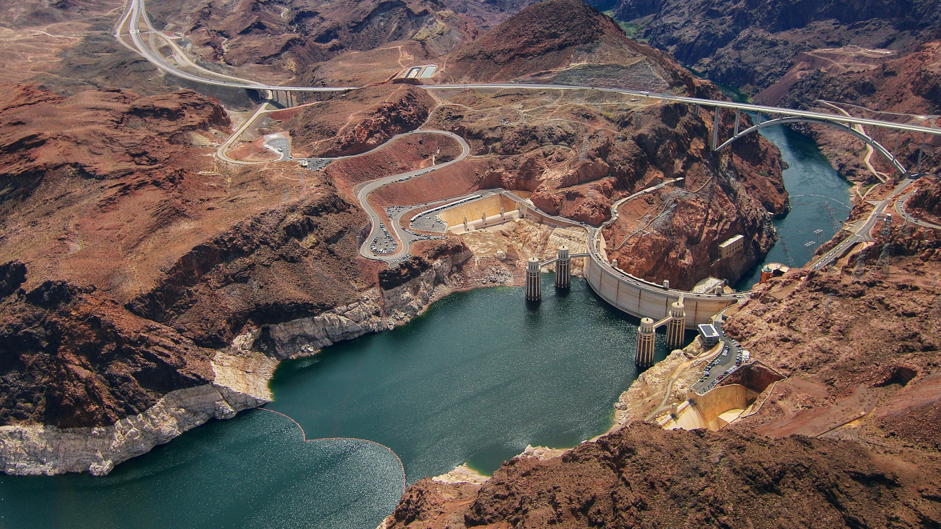 Hoover Dam wallpaper 1366x768