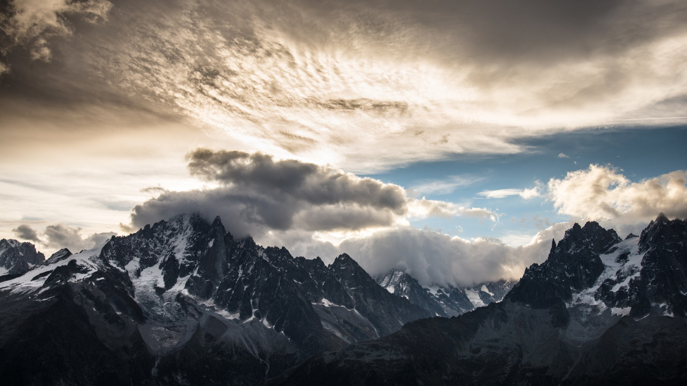 Mountain peaks, clouds, landscape from Chamonix wallpaper 1366x768