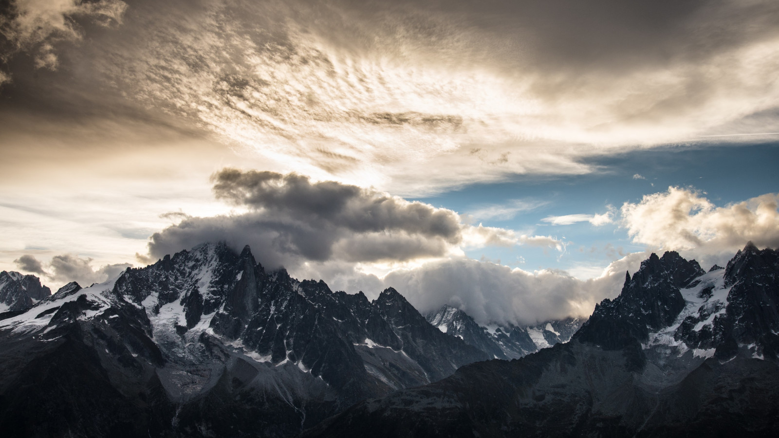 Mountain peaks, clouds, landscape from Chamonix wallpaper 1600x900