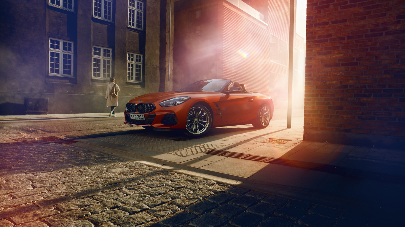 BMW Z4 2019 wallpaper 1366x768