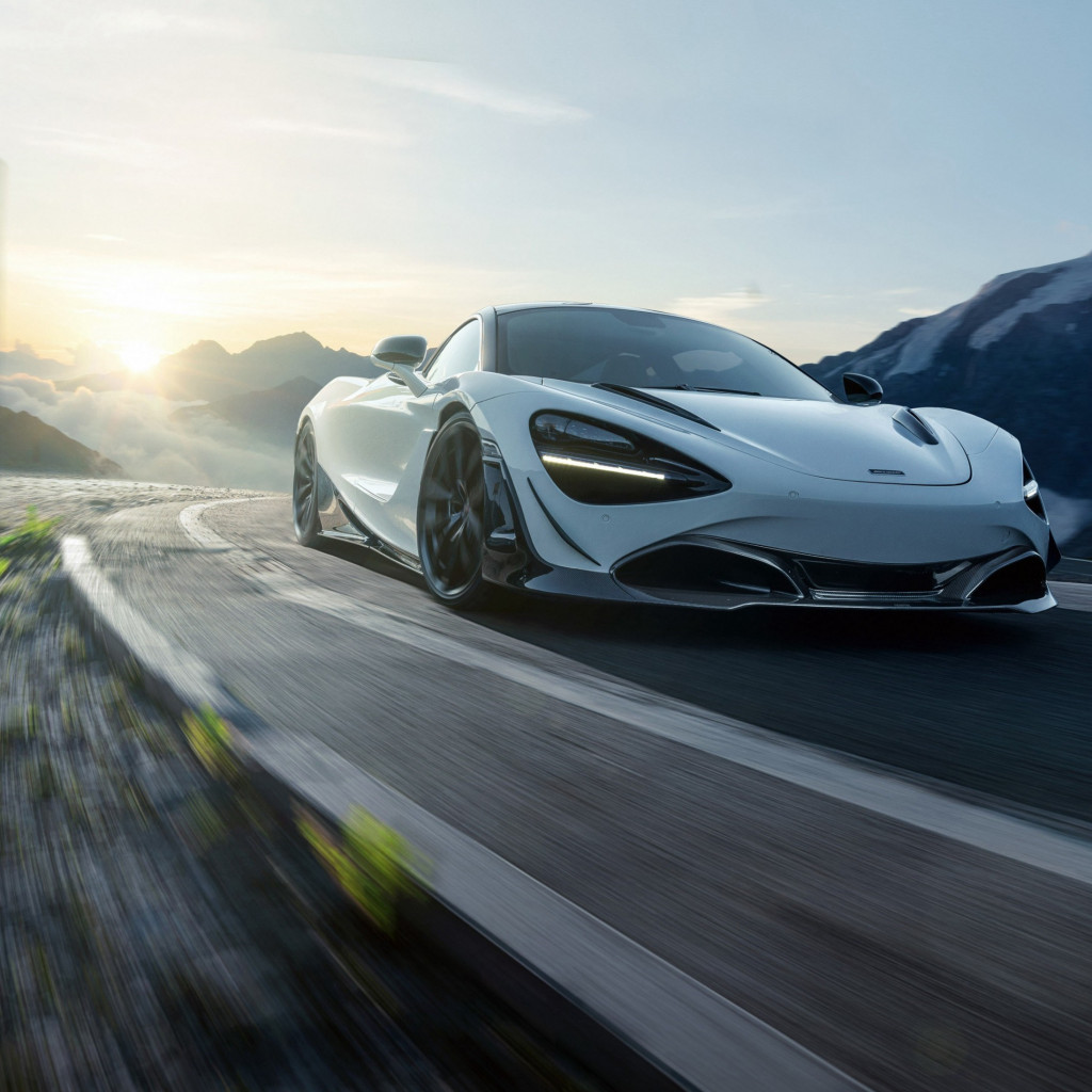 McLaren 720S in motion | 1024x1024 wallpaper