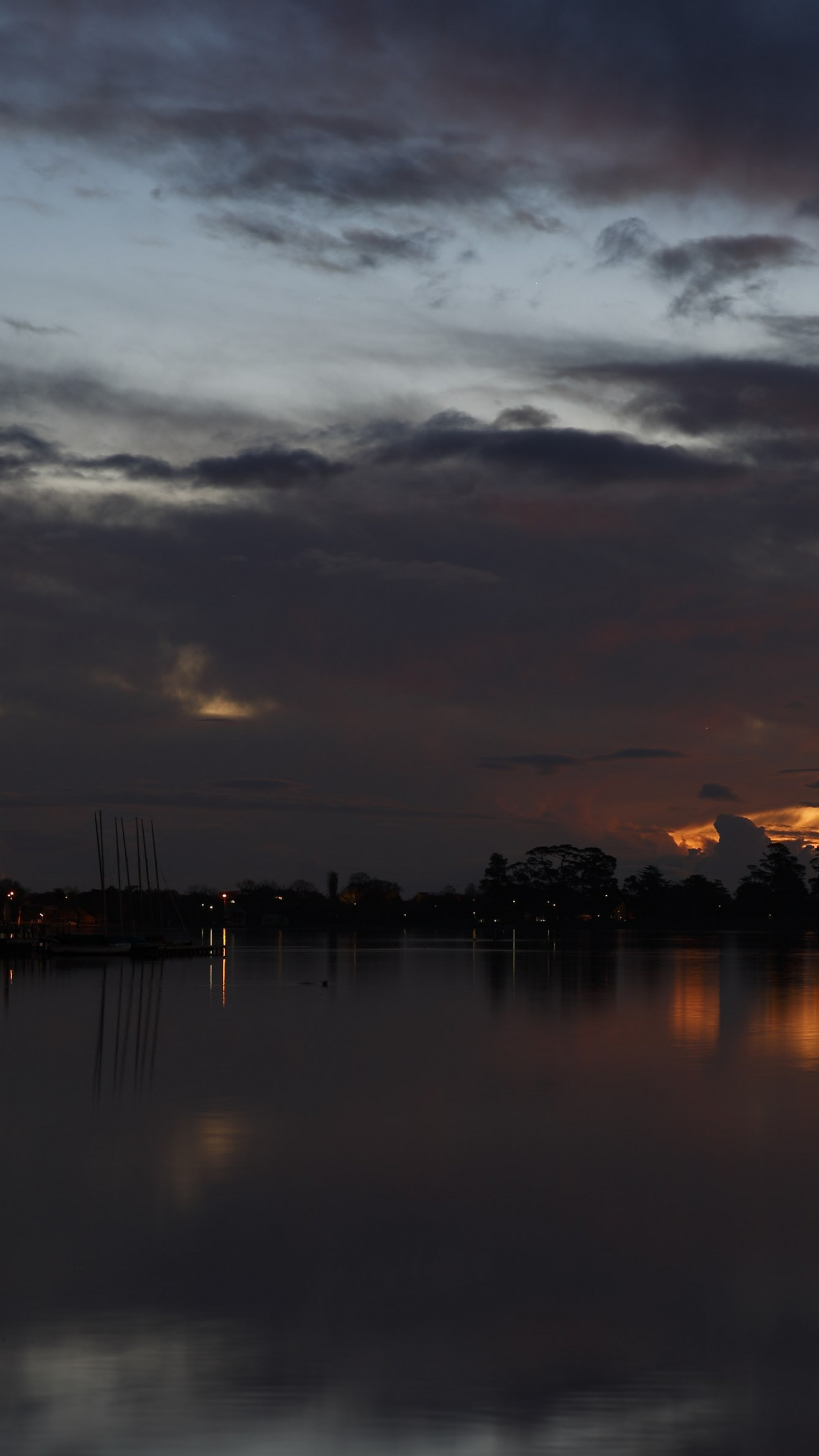 Sunset above Lake Wendouree in Australia wallpaper 1242x2208