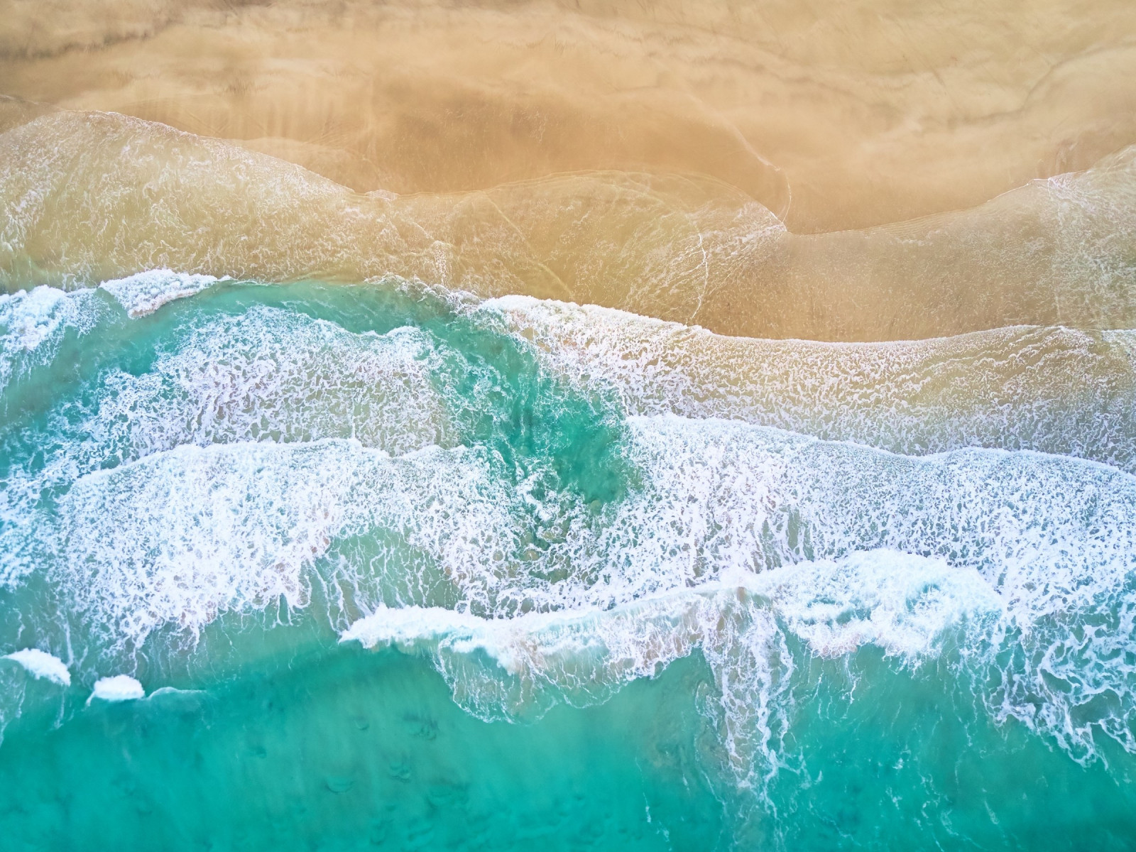 Aerial, waves, beach, Fredvang, Norway wallpaper 1600x1200