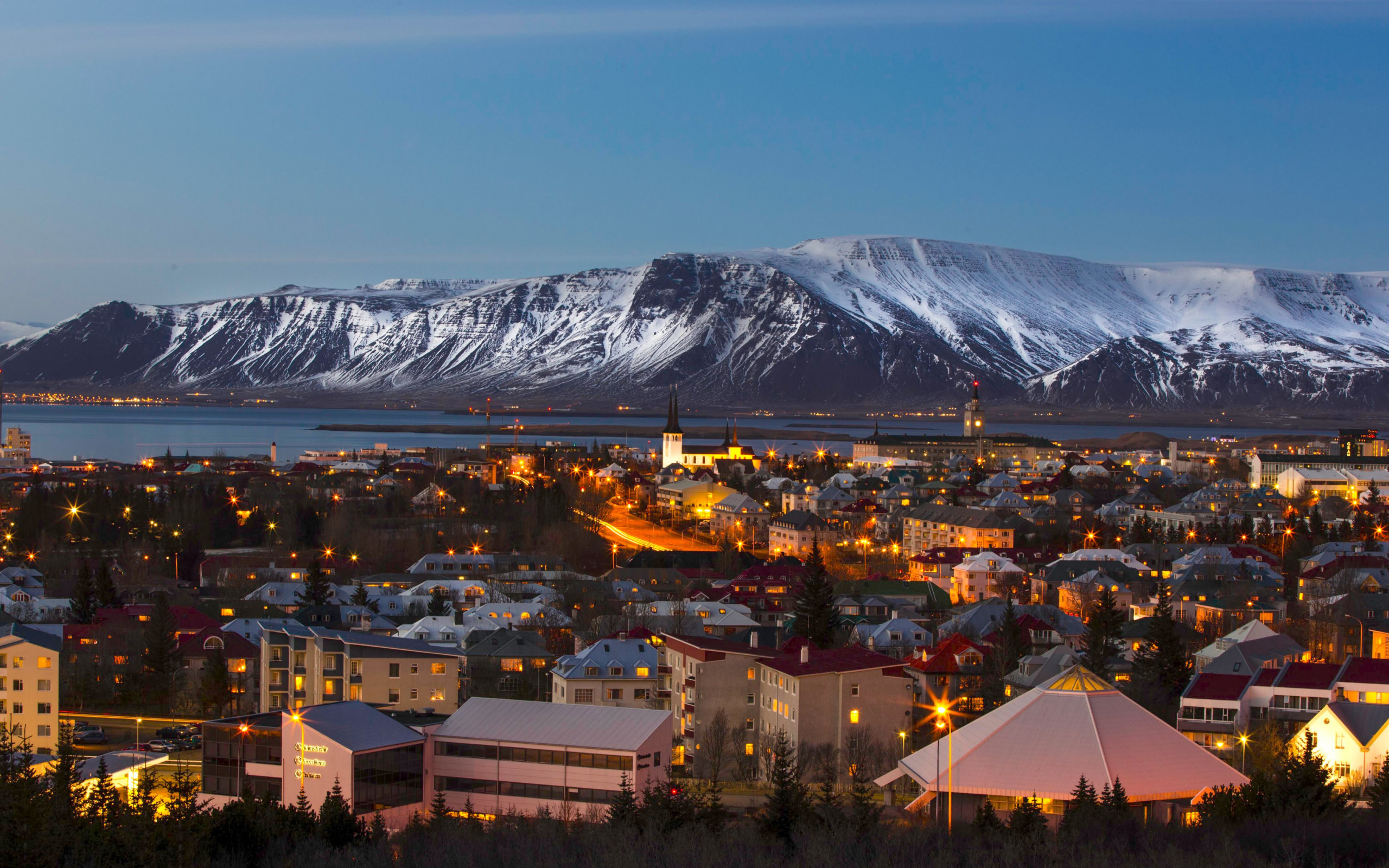 View over the Reykjavik city | 2560x1600 wallpaper