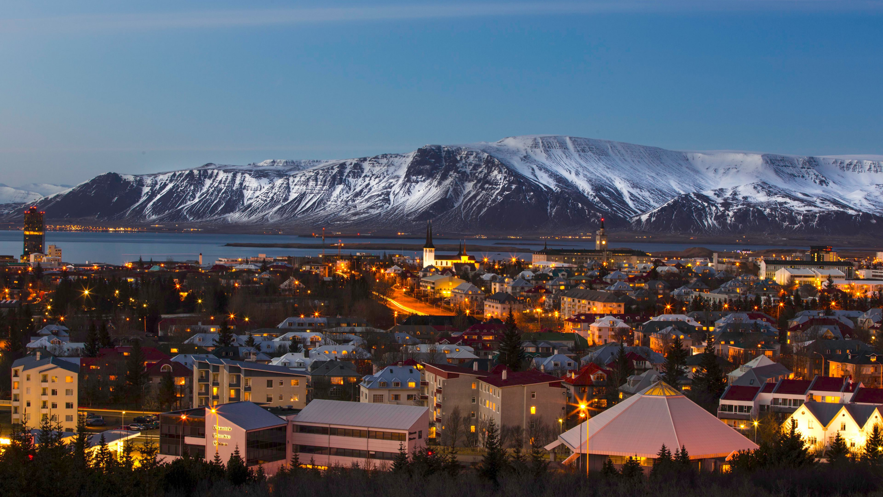View over the Reykjavik city wallpaper 2880x1620