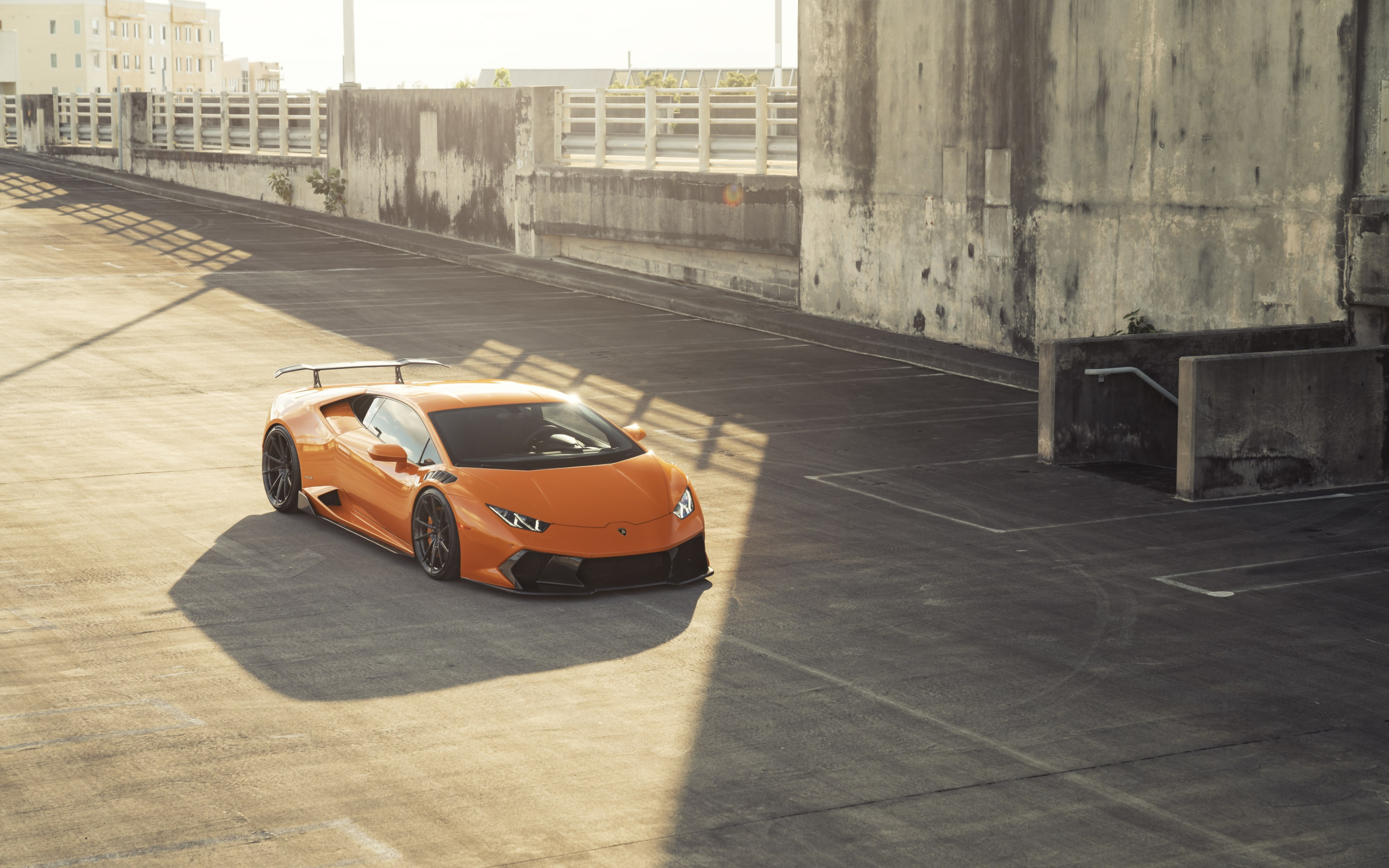ANRKY Fish Orange Lambo Huracan wallpaper 2880x1800