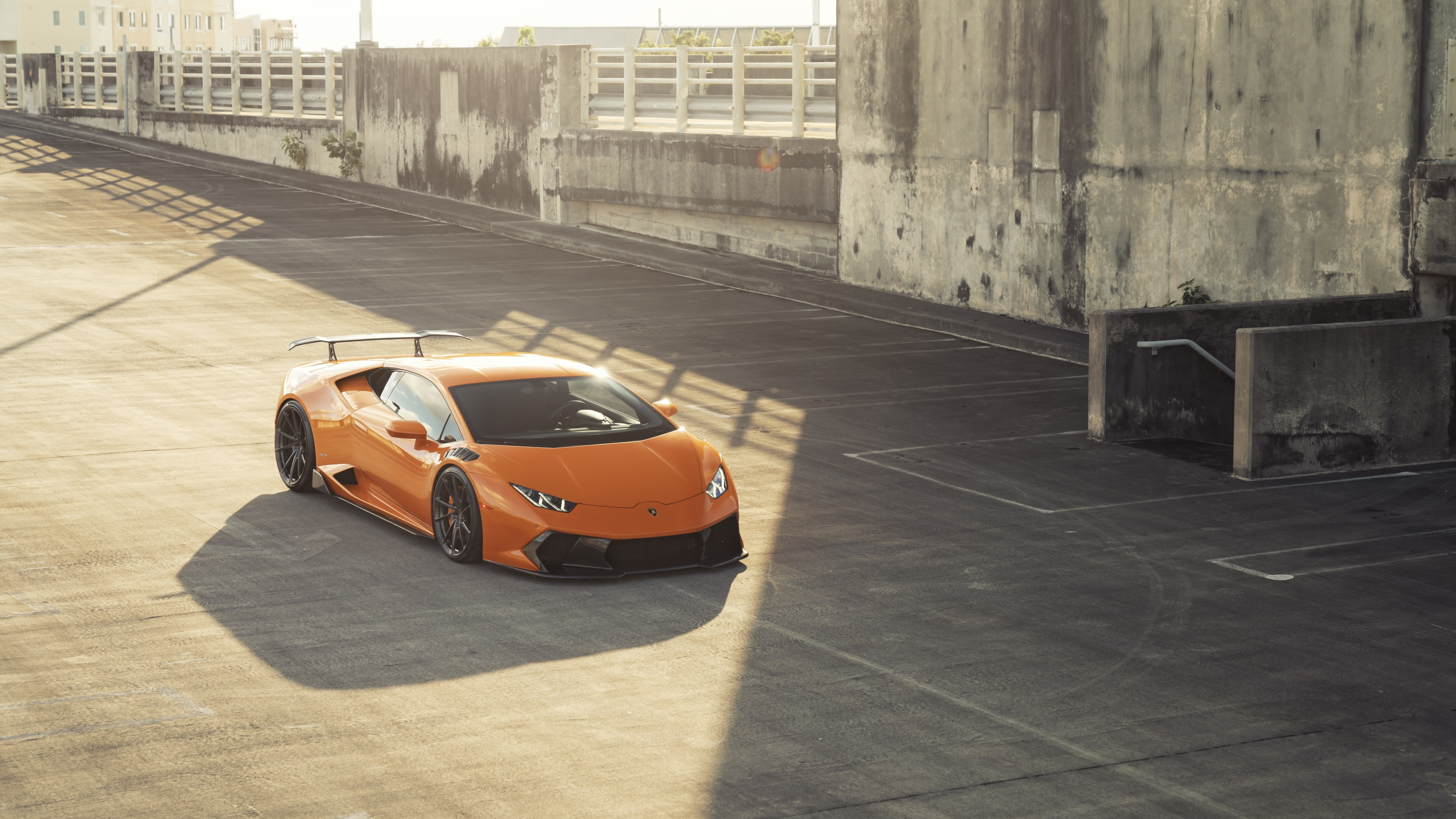 ANRKY Fish Orange Lambo Huracan wallpaper 3840x2160
