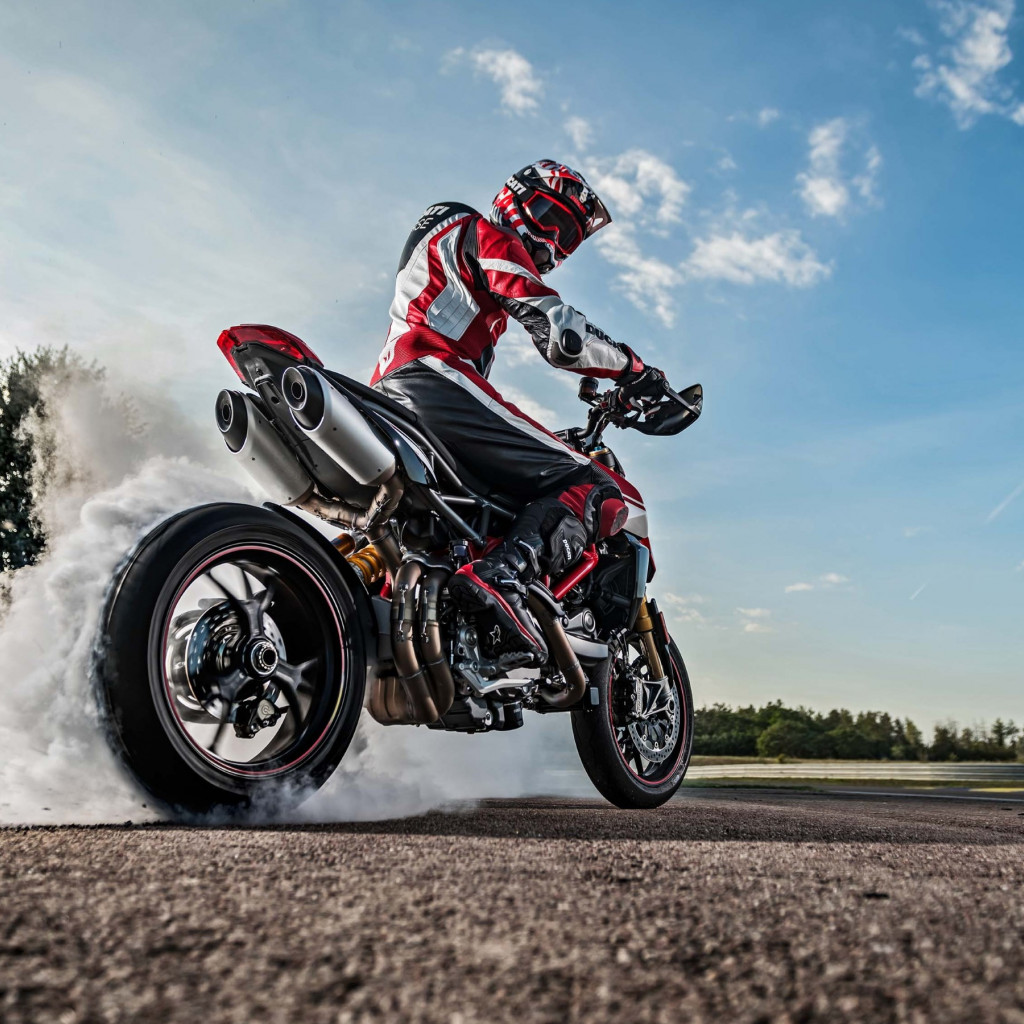 Ducati Hypermotard 950 wallpaper 1024x1024