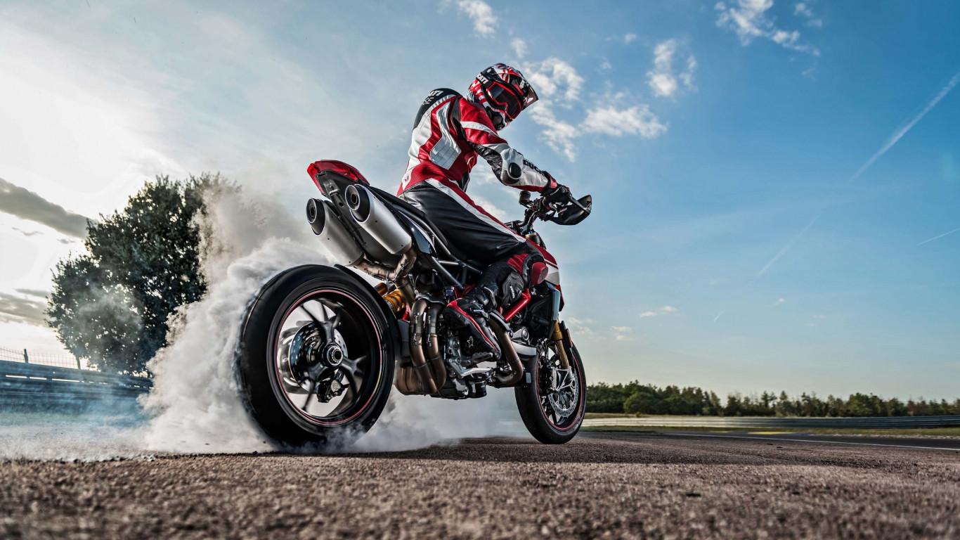 Download wallpaper Ducati Hypermotard 950 1366x768