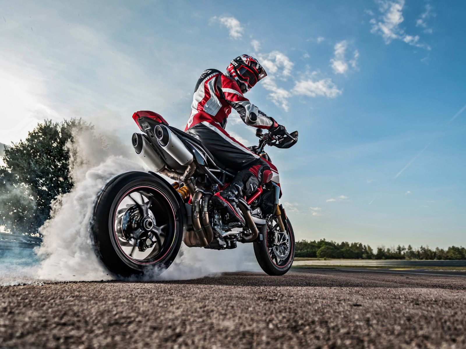 Ducati Hypermotard 950 wallpaper 1600x1200
