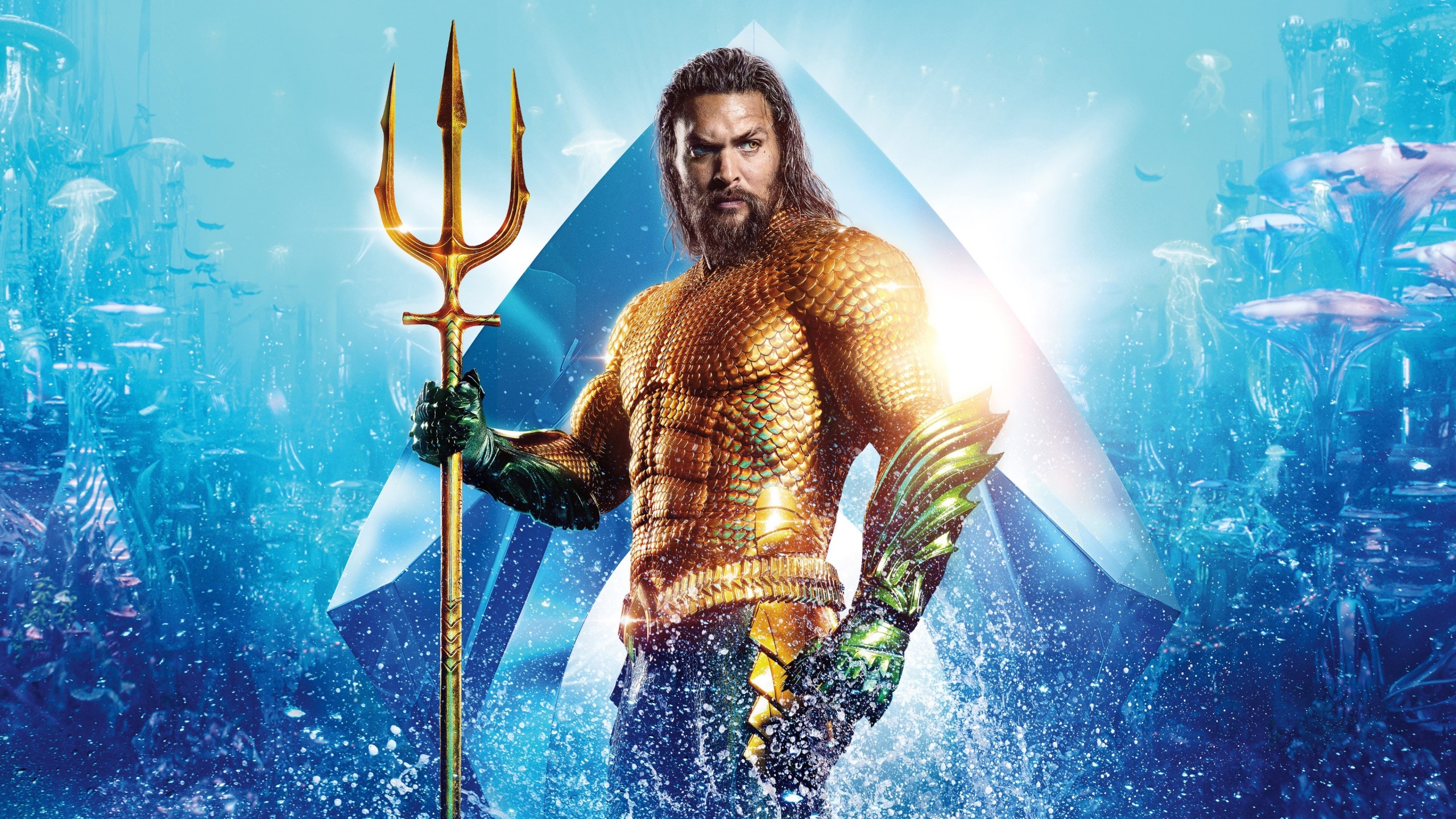 Aquaman Hero wallpaper 2560x1440