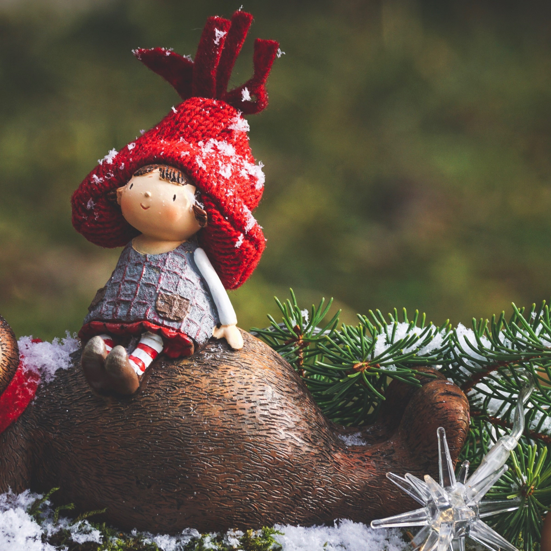 Cute Christmas decoration wallpaper 2224x2224