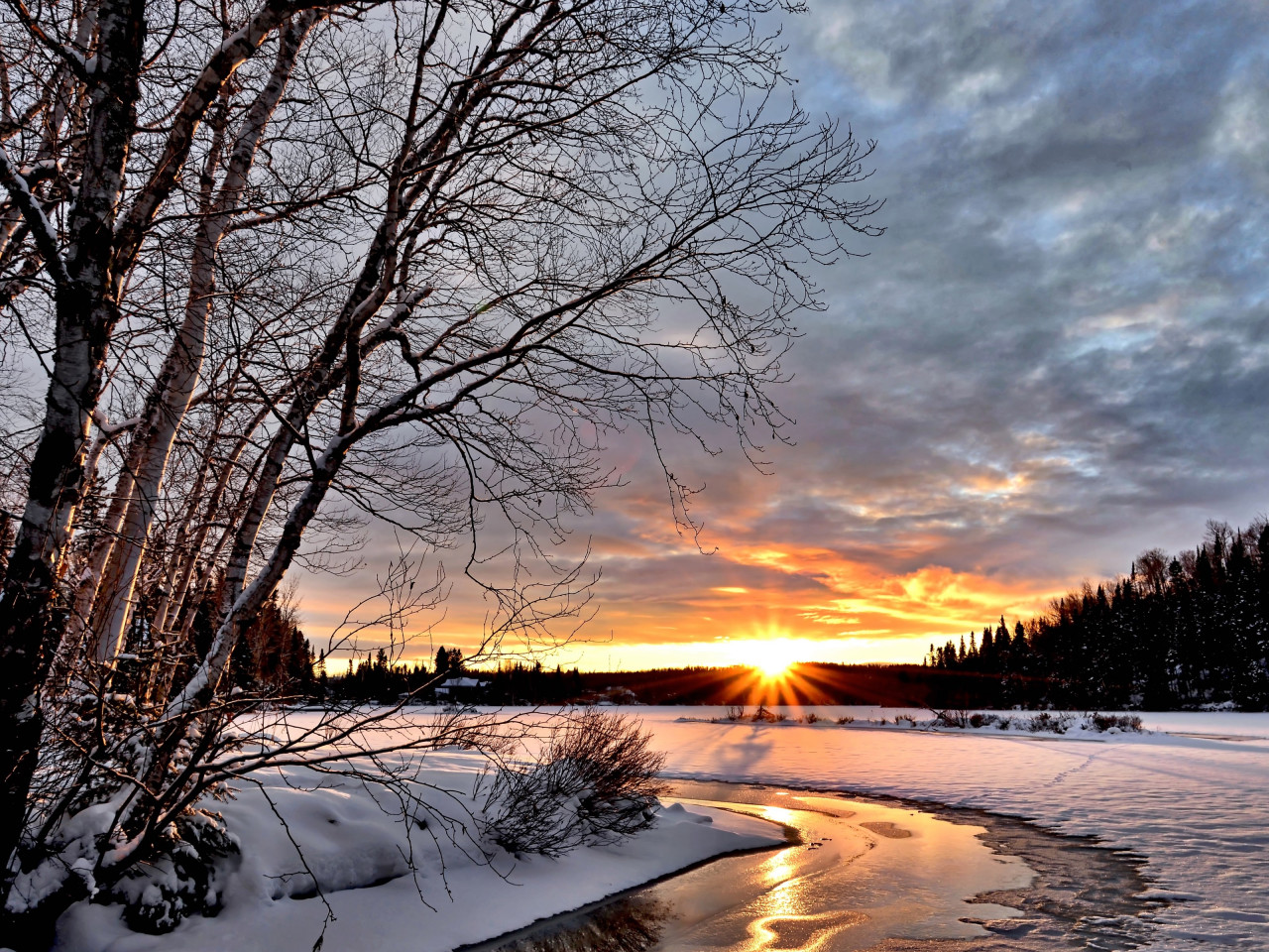 Sunset over the Winter landscape wallpaper 1280x960